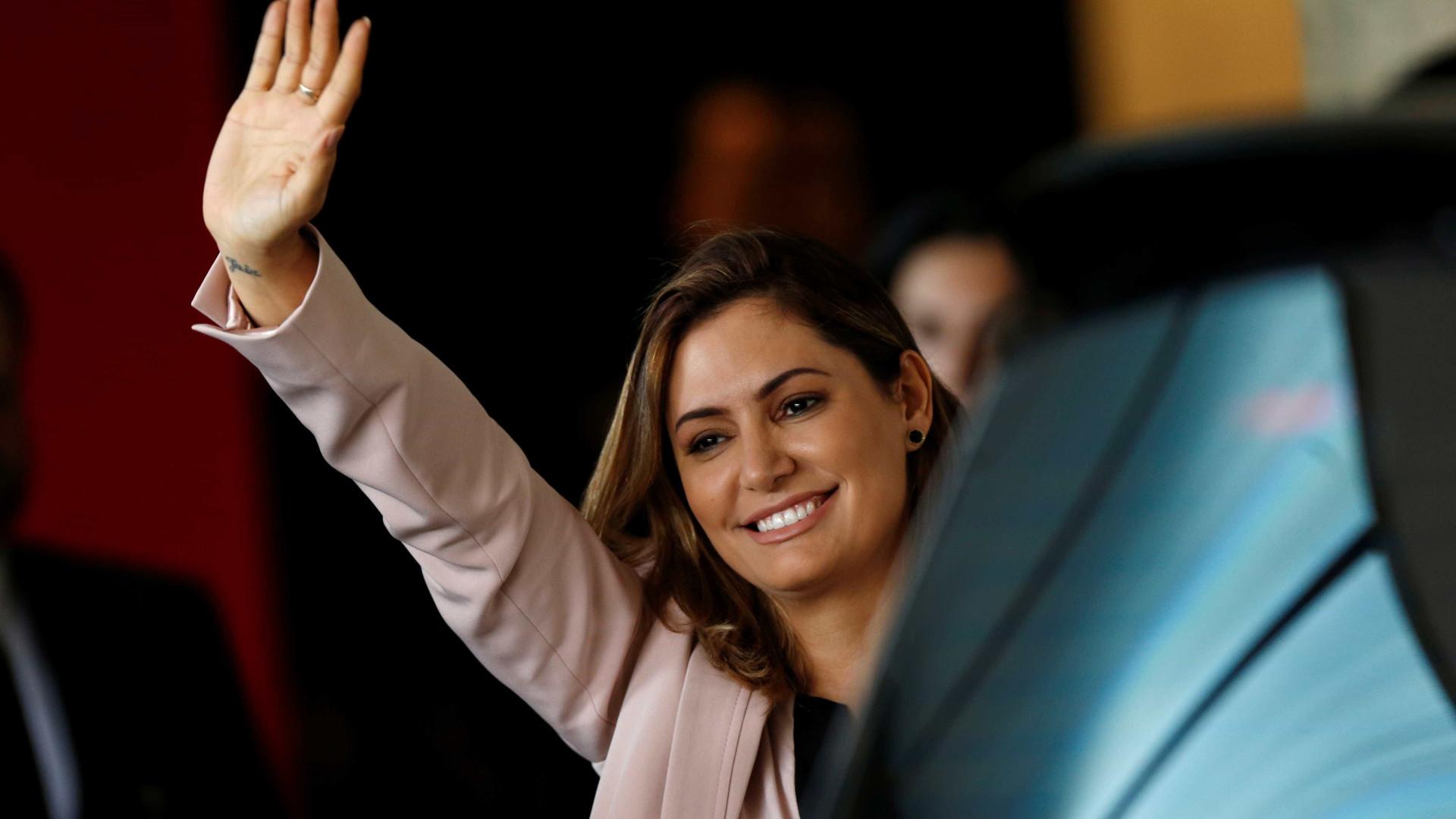 Primeira-dama Michelle Bolsonaro está com coronavírus