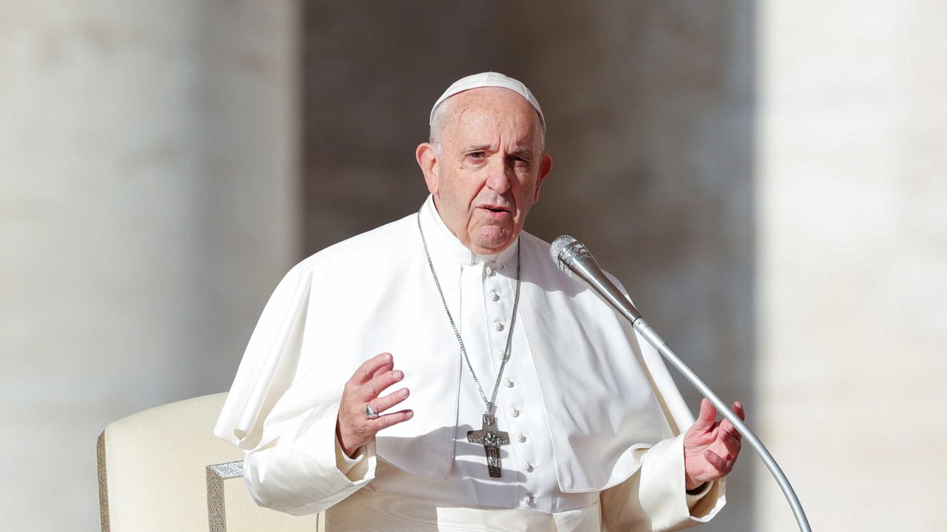 Máfia não foi inventada por nigerianos, é italiana, diz Papa