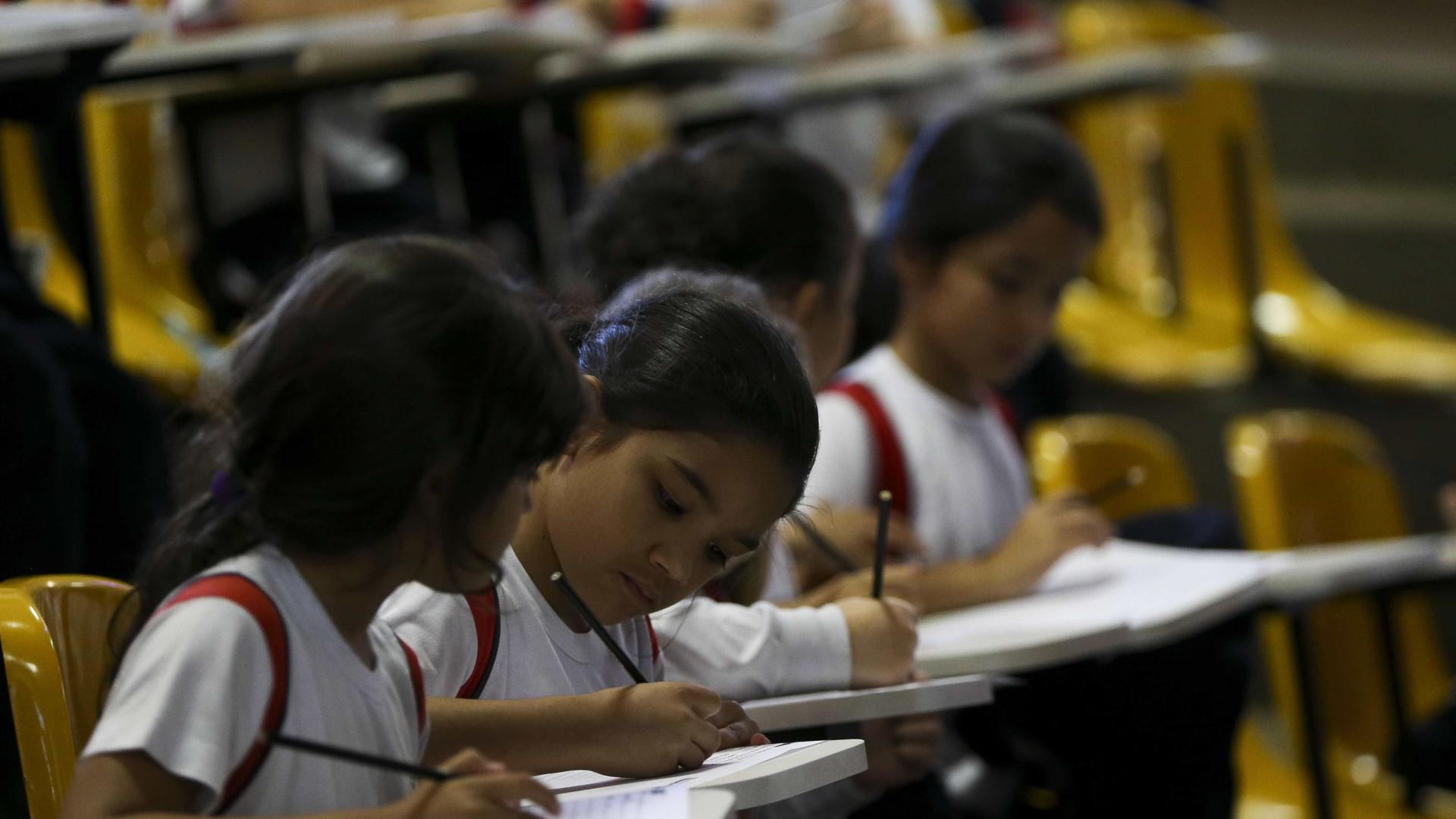 Governo de SP reduz tempo de aulas e aumenta número de disciplinas