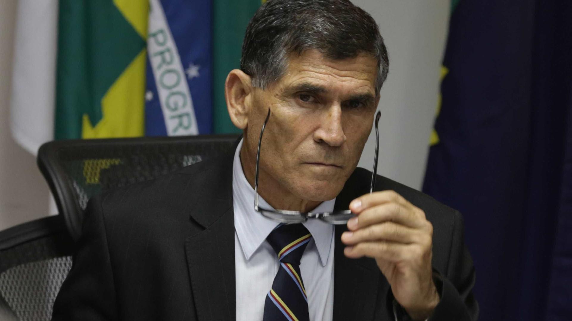 Santos Cruz deixa Secretaria de Governo