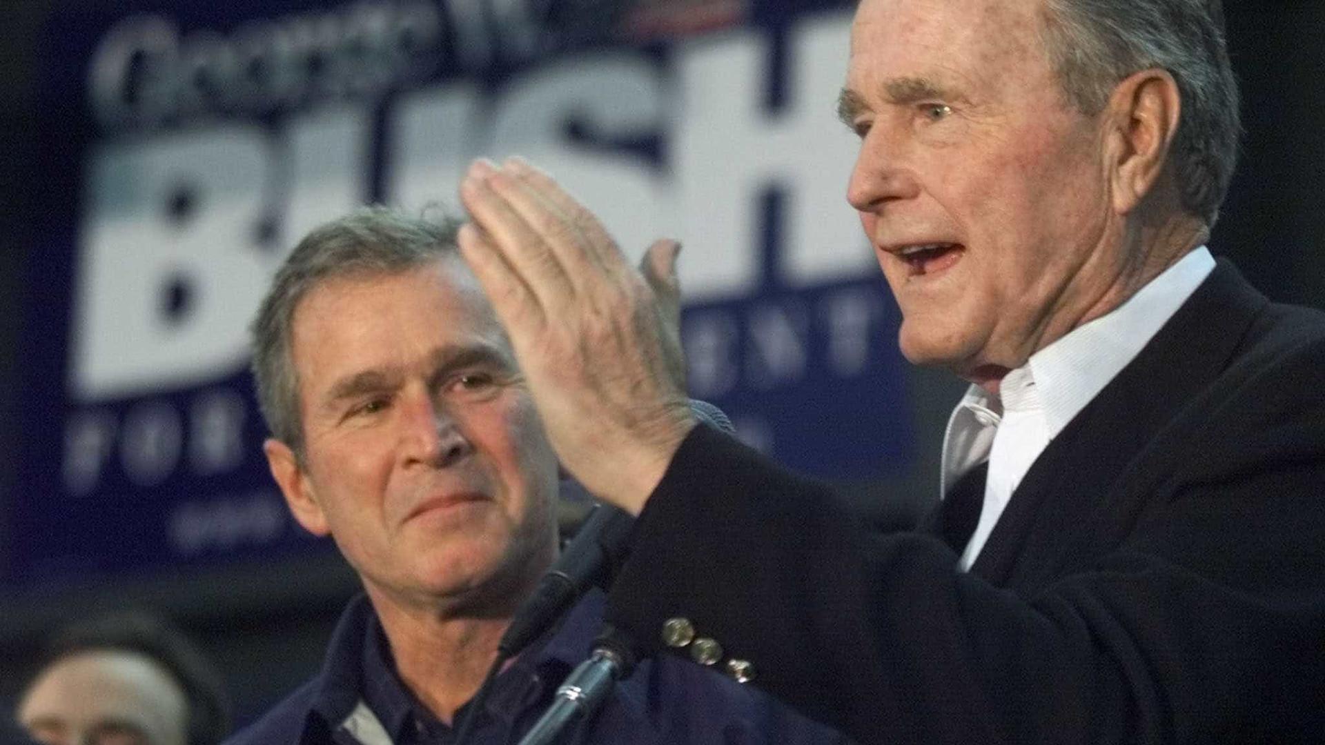 George Bush guiou os EUA a um fim pacífico da Guerra Fria, diz Trump