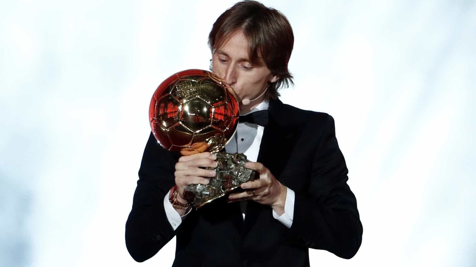Modric desbanca hegemonia de Messi e Ronaldo e conquista Bola de Ouro