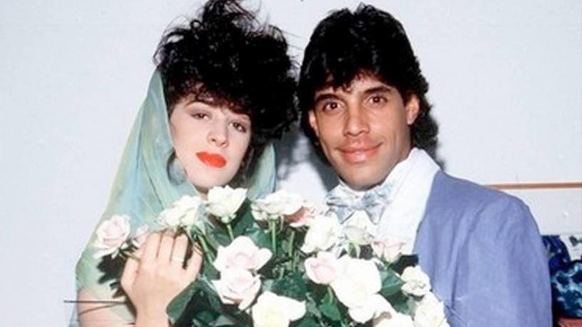 Cláudia Raia ironiza casamento com Alexandre Frota: 'Insano'