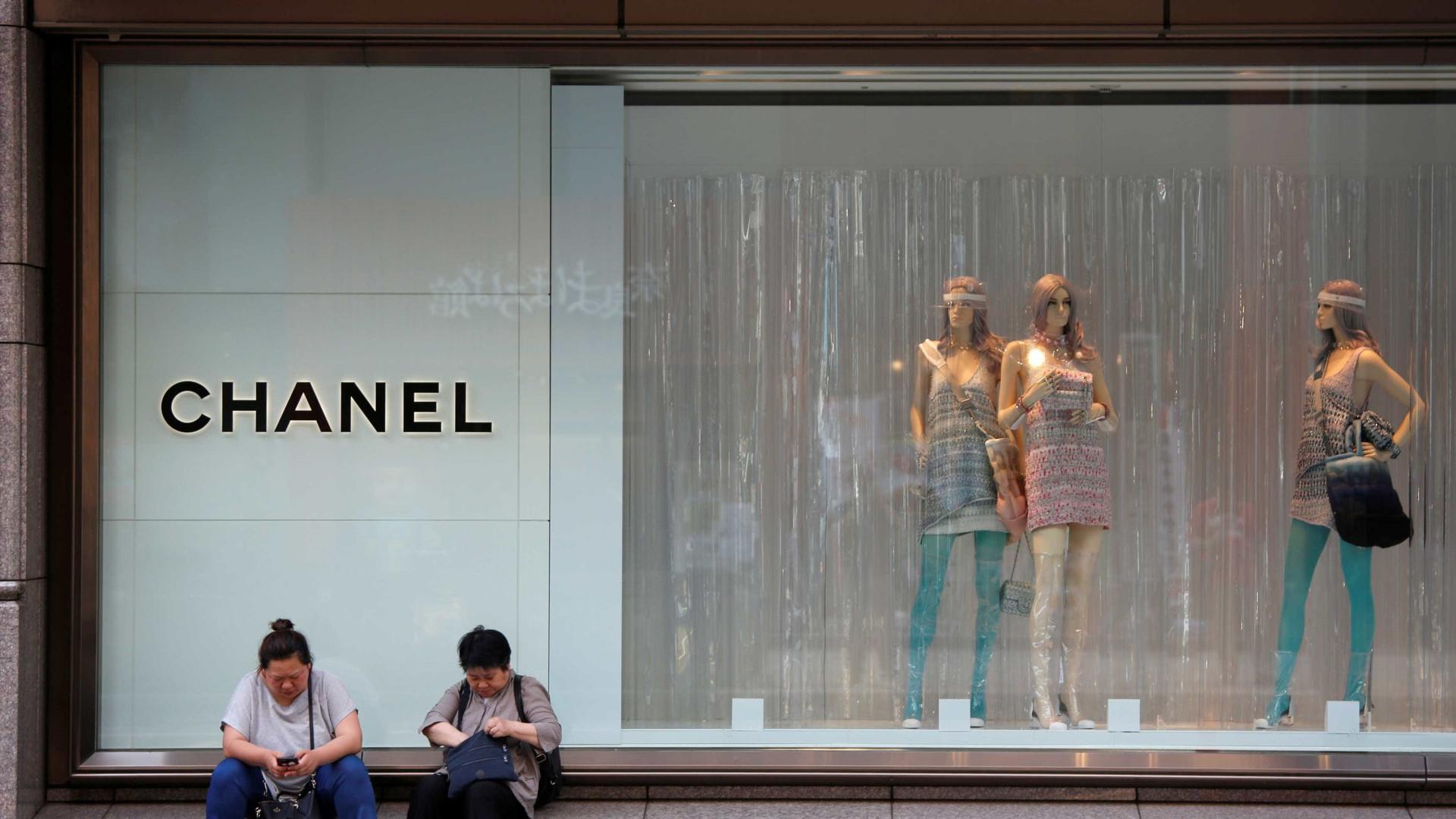 Chanel anuncia que não usará mais peles exóticas