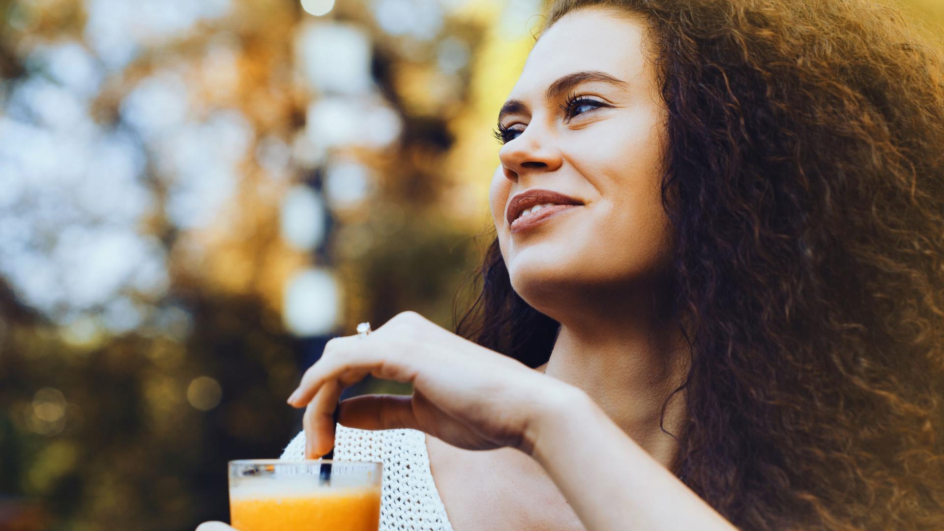 Um copo de suco de laranja por dia reduz risco de perda de memória