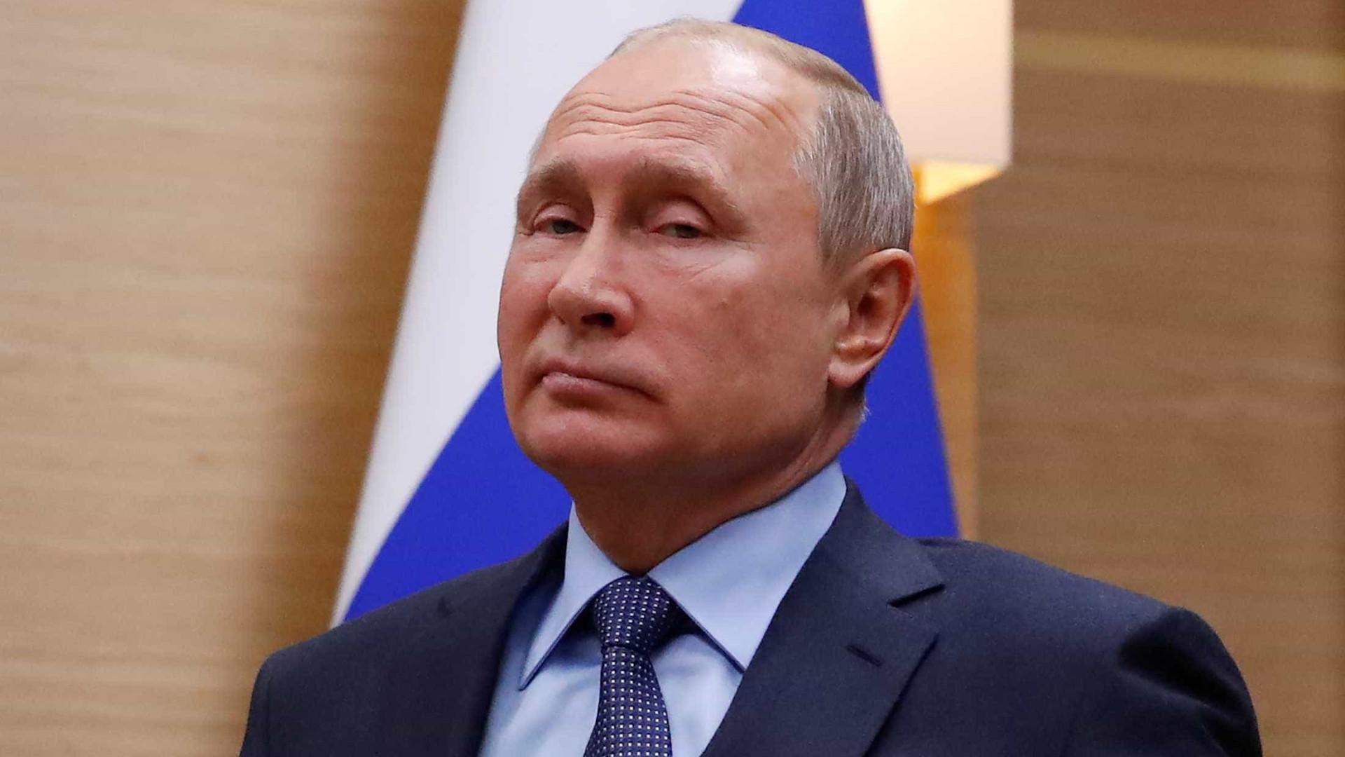 Presidentes da Rússia e da China pedem diminuição de protecionismo