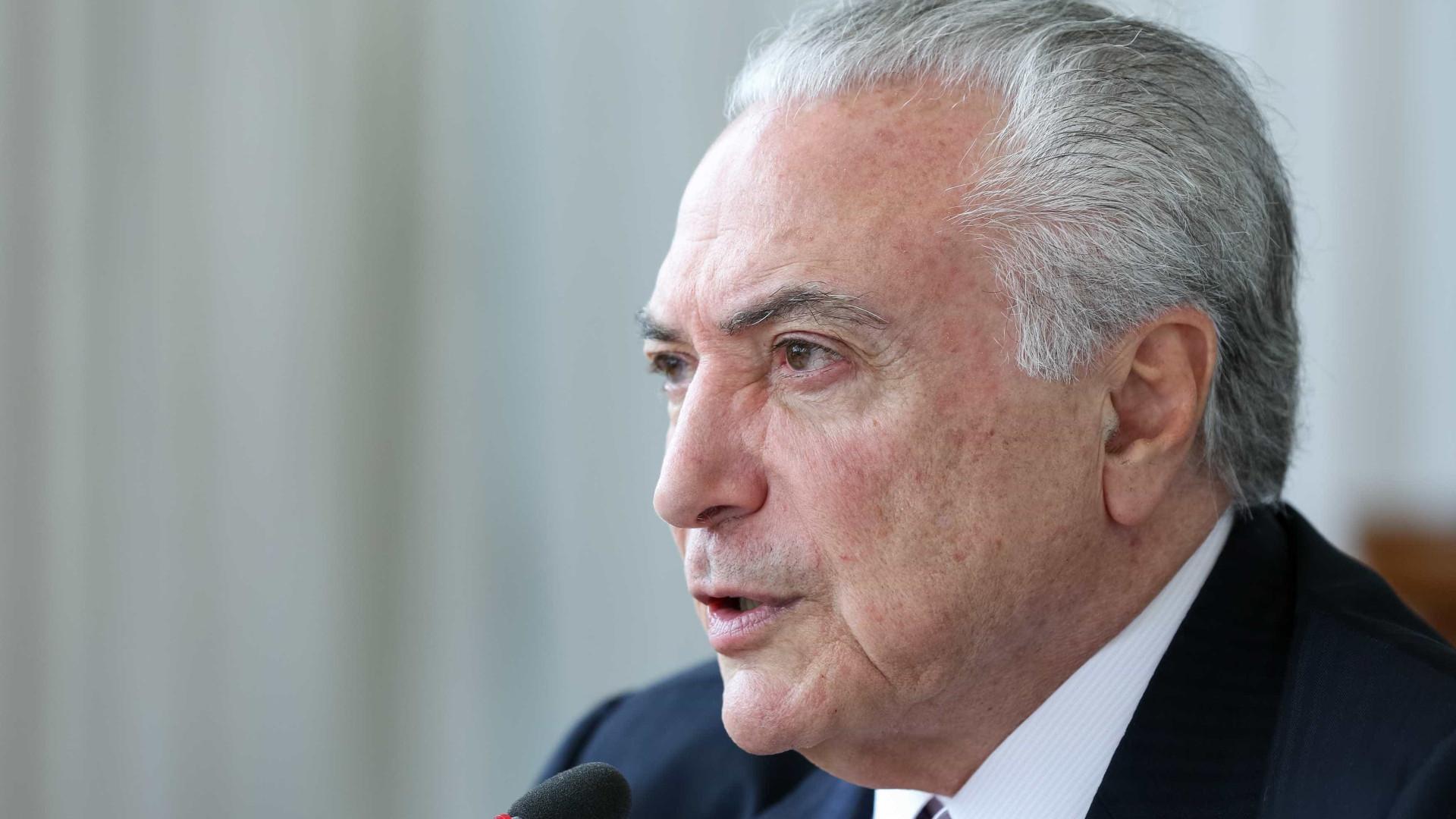 Carro com Michel Temer chega à Superintendência da PF em SP