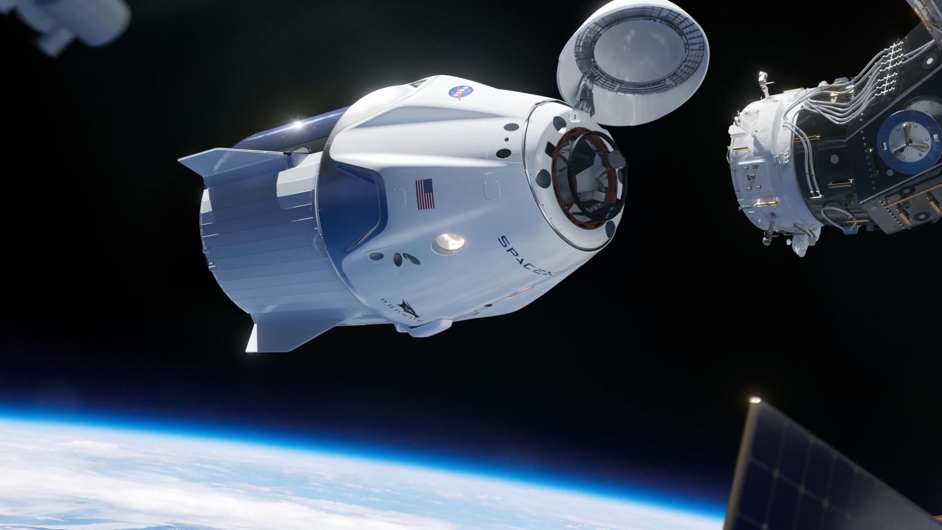 SpaceX planeja primeiro voo tripulado para maio