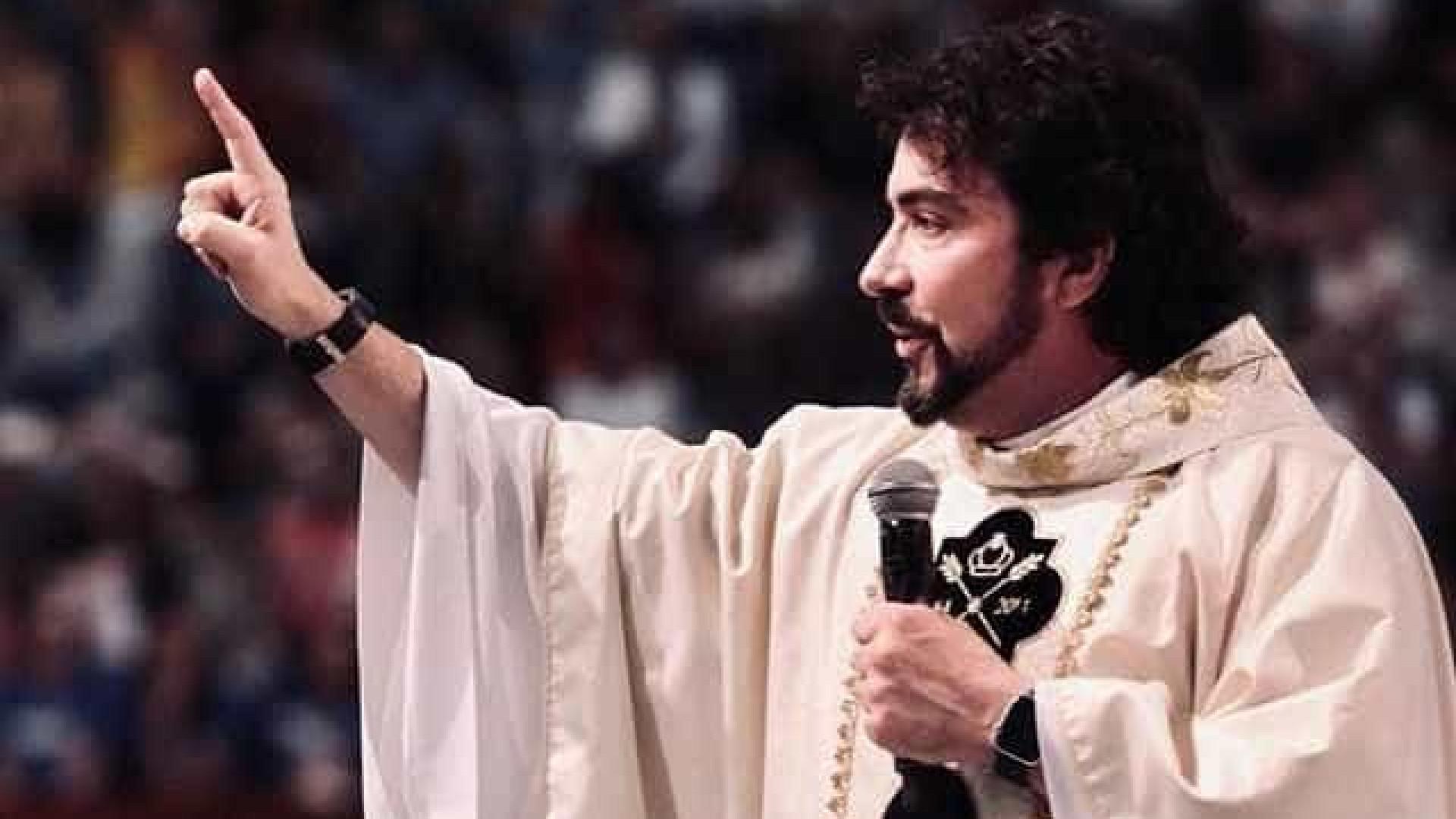 Padre Fabio de Melo defende união civil de casais gays