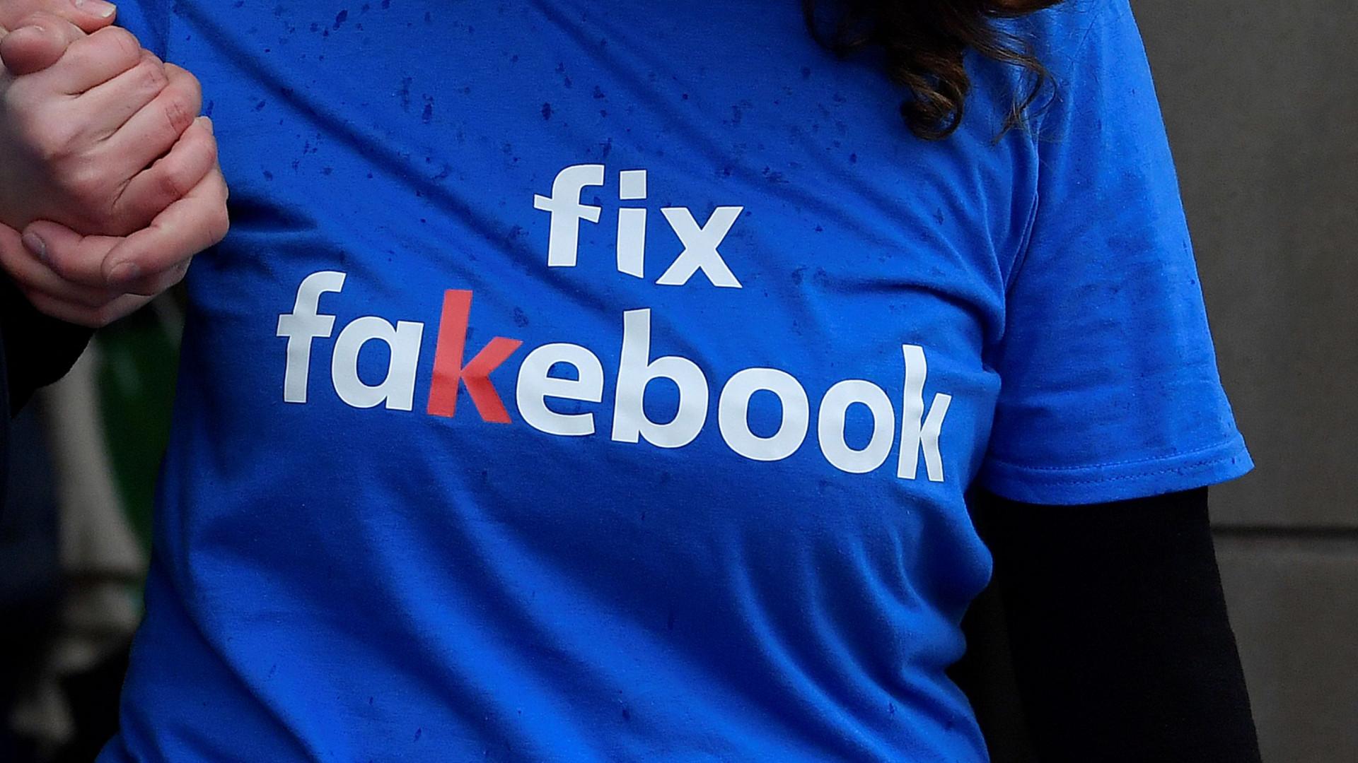 Facebook derruba páginas de grupos de supremacia branca
