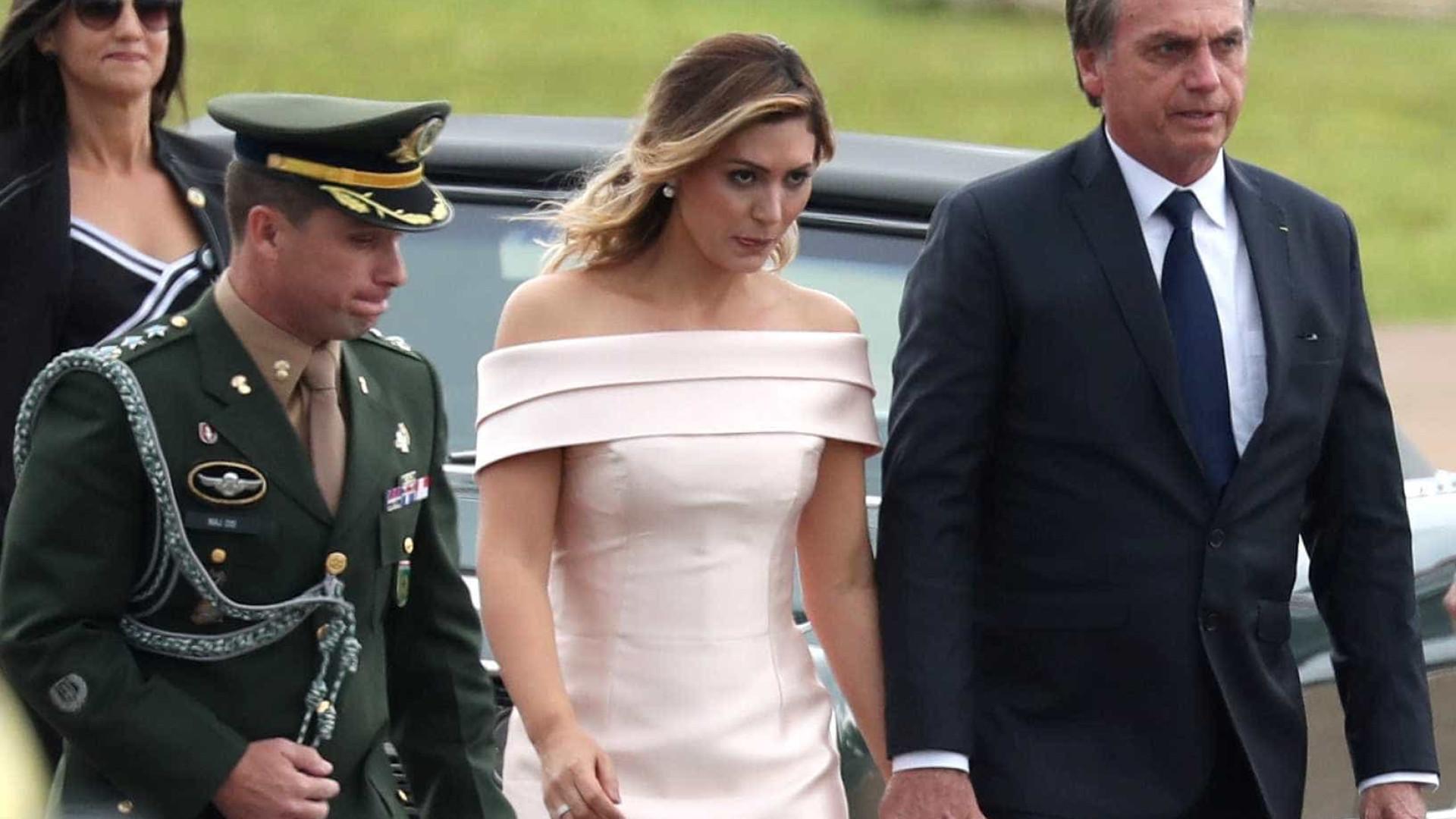 Saiba quem é a responsável pelo vestido de Michelle Bolsonaro