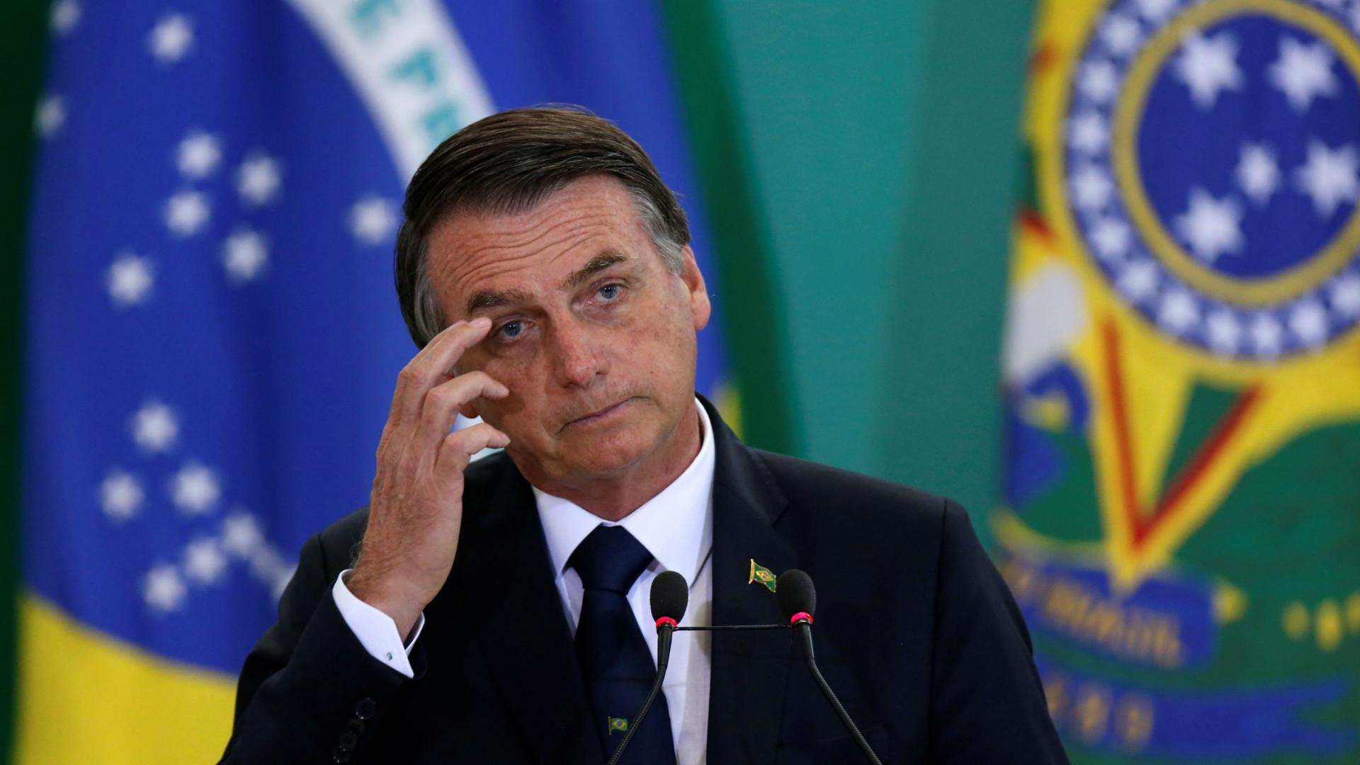 Bolsonaro perde a paciência na crise do coronavírus e rebate apoiadores