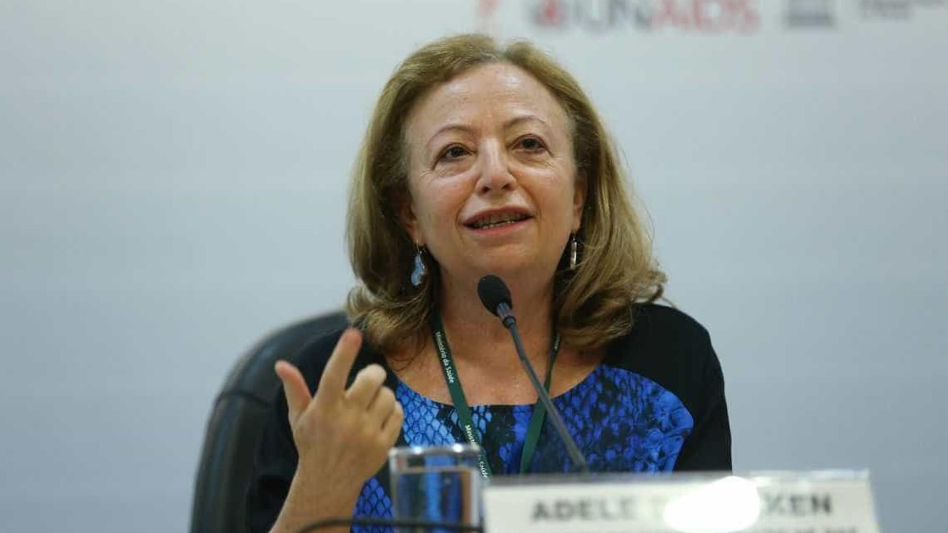 Diretora do departamento de HIV é exonerada, e ONGs reagem