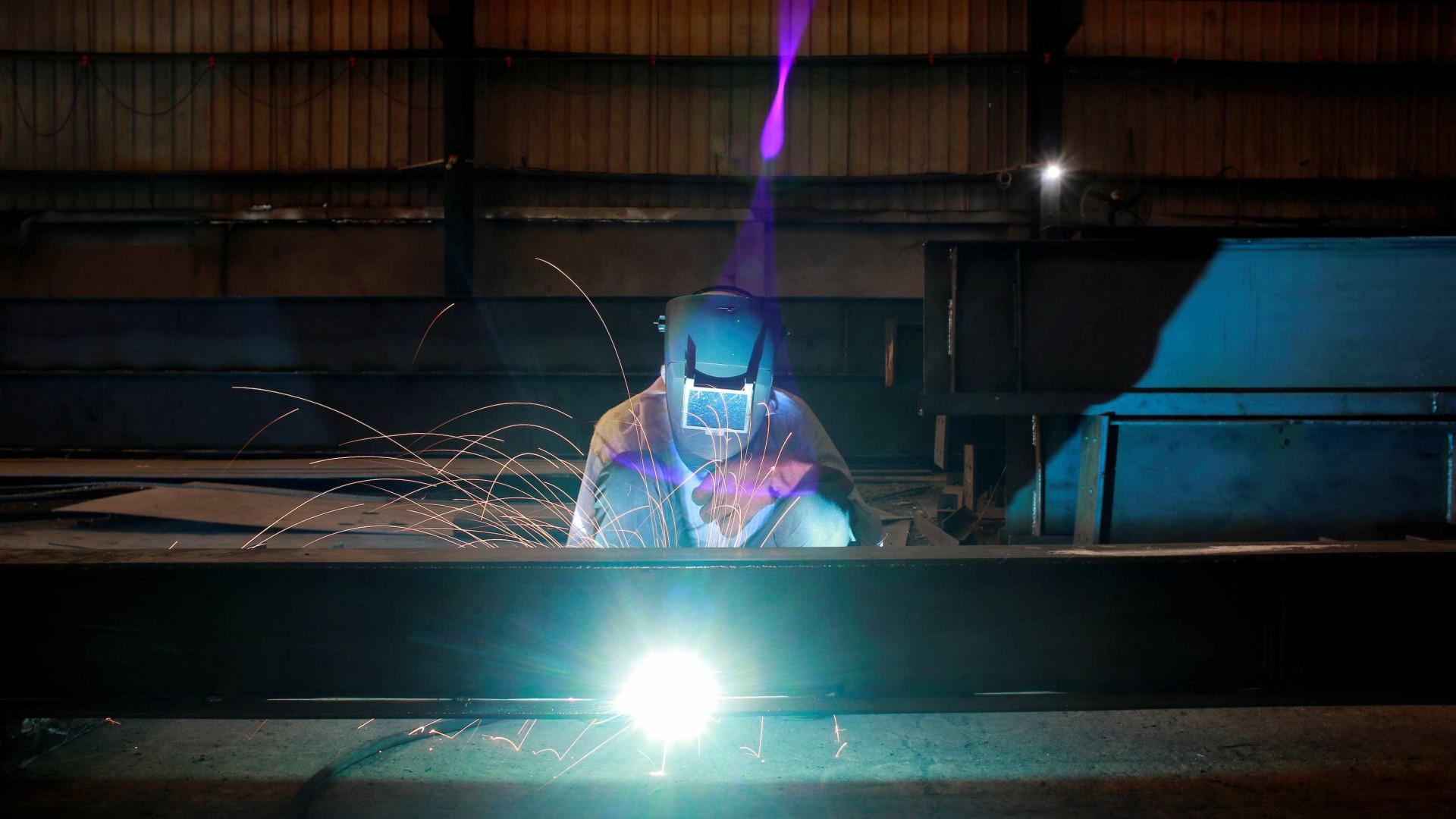 Baixa atividade econômica afeta indústria da construção, revela CNI