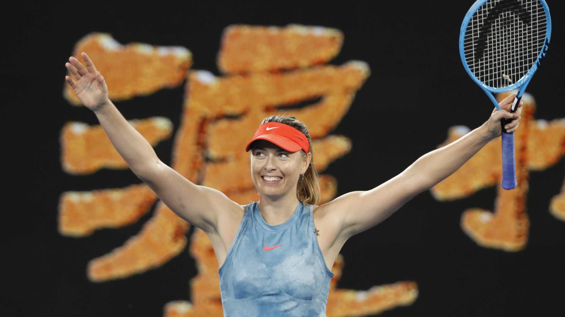 Sharapova elimina Wozniacki e vai às oitavas do Aberto da Austrália