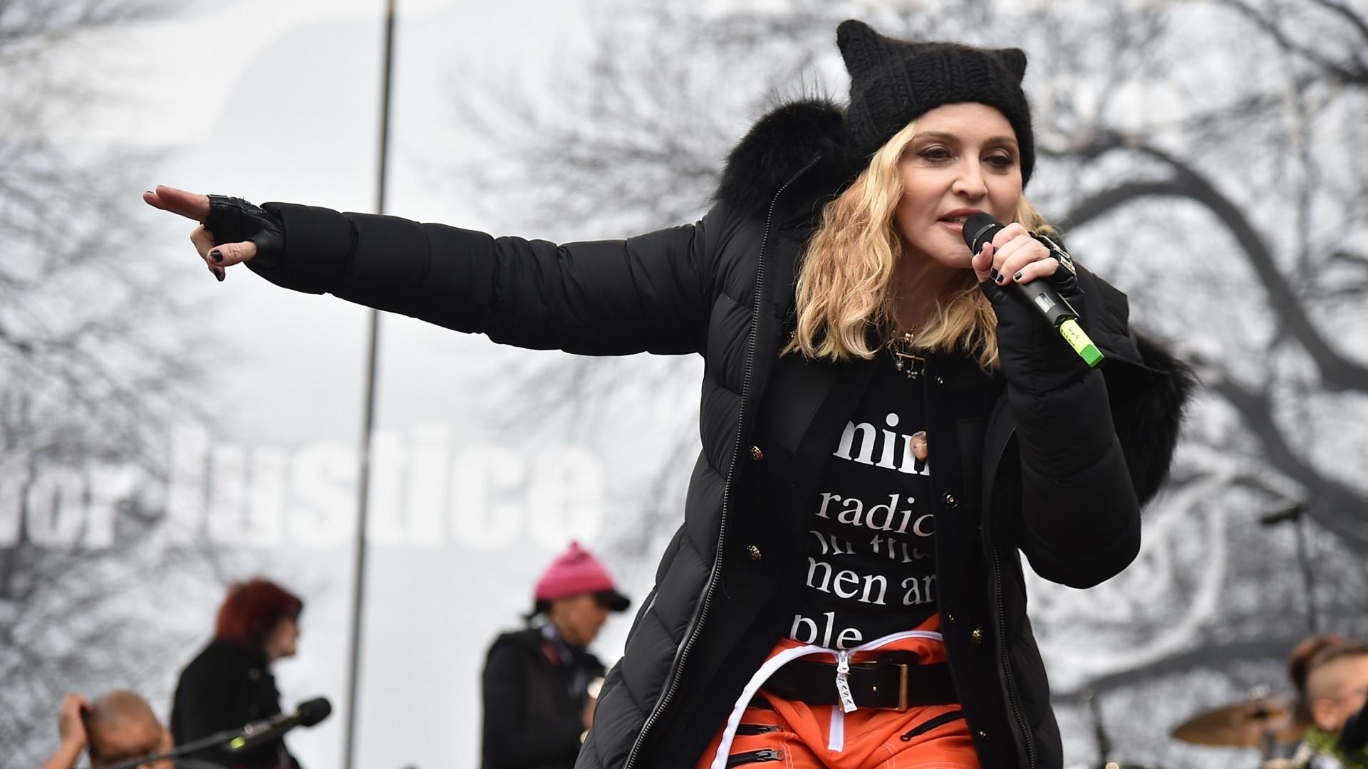Madonna briga em Portugal para entrar com cavalo em palácio