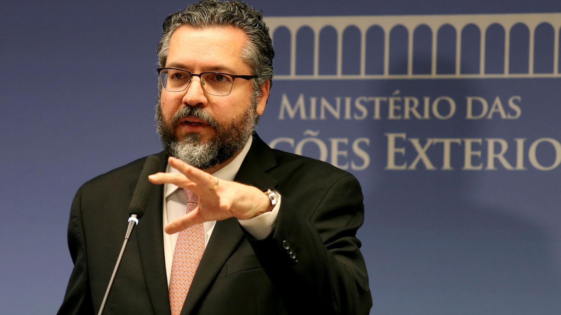 """Governo do Brasil pede que embaixador chinês se retrate de """"ofensas"""""""