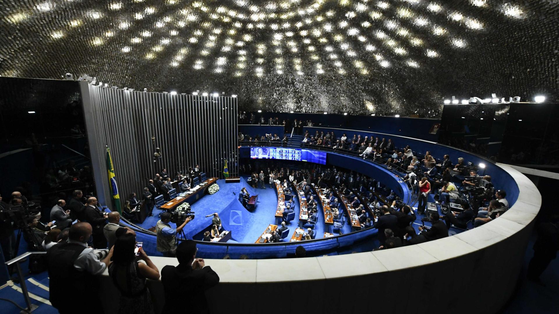 Em 2 semanas, senadores protocolam 103 emendas ao texto da Previdência