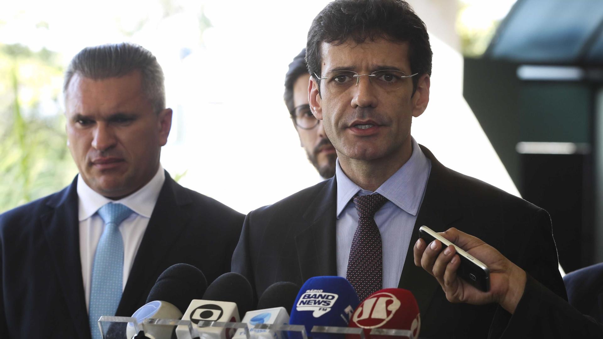 Ministro é convocado pelo Senado para explicar laranjas do PSL