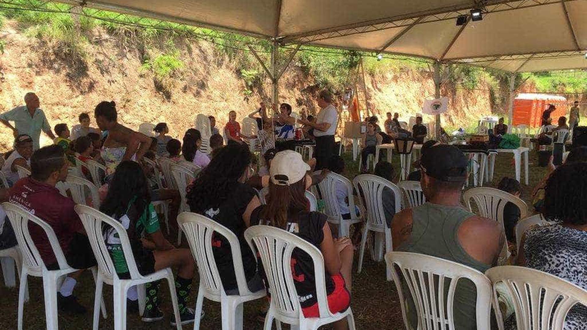 Em reunião tensa, Vale não atende pedidos de moradores de Brumadinho