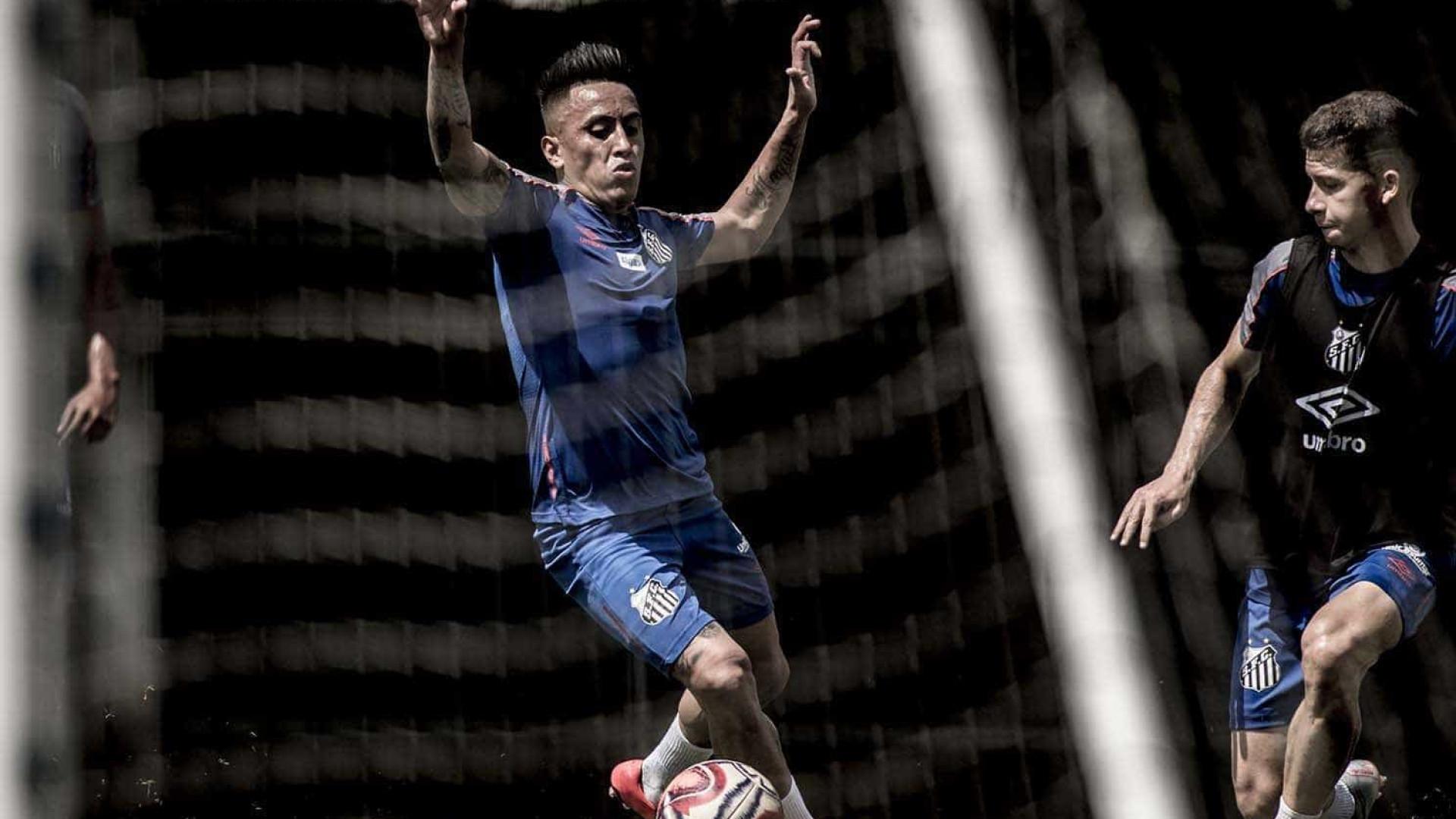 Cueva terá dez dias de folga e vai desfalcar o Santos contra o Bahia