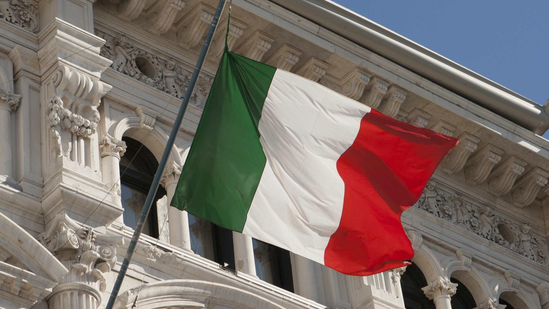 Movimento vota a favor de nova coalizão e encerra crise na Itália