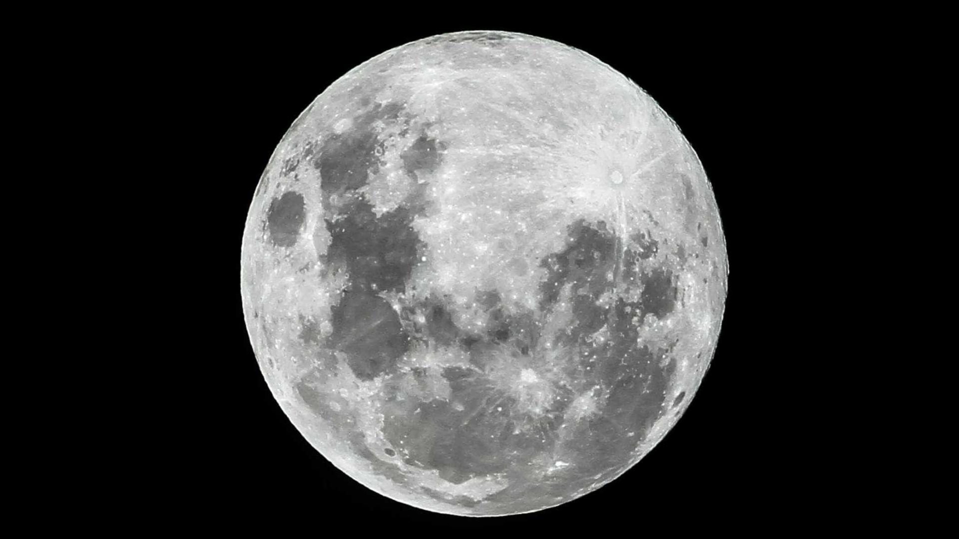 Sonda conclui que solo do lado oculto da lua é idêntico ao visível