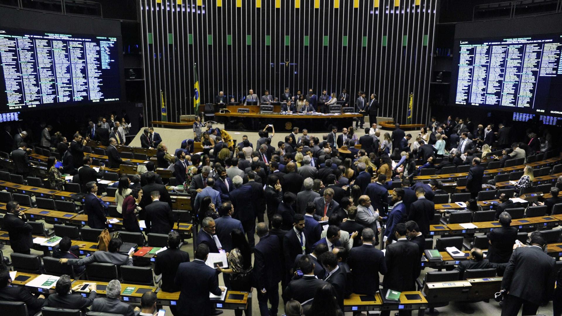 Congresso quer derrubar mais vetos para beneficiar partidos