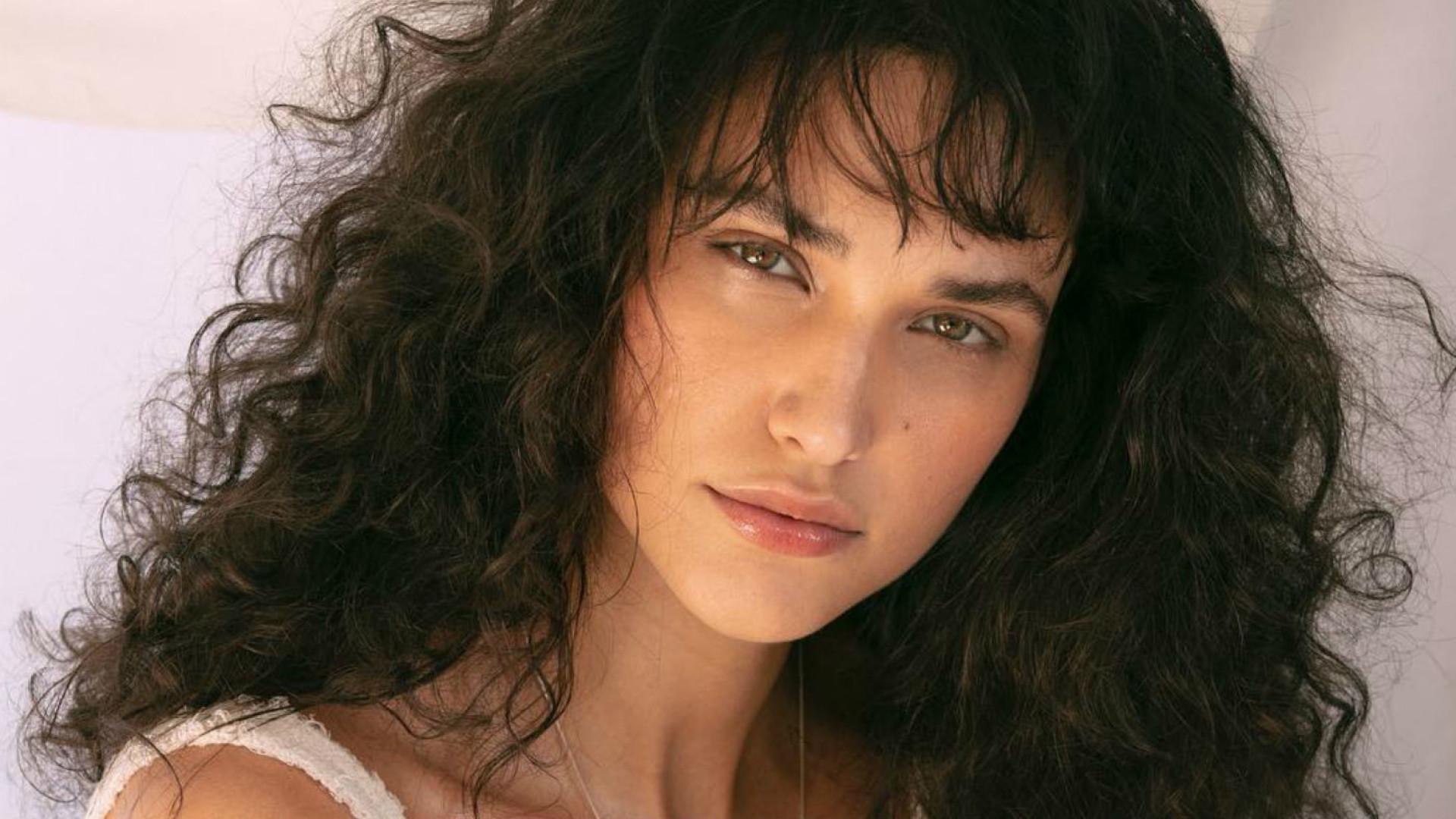 Débora Nascimento diz que amamentar a ajudou na separação de Loreto
