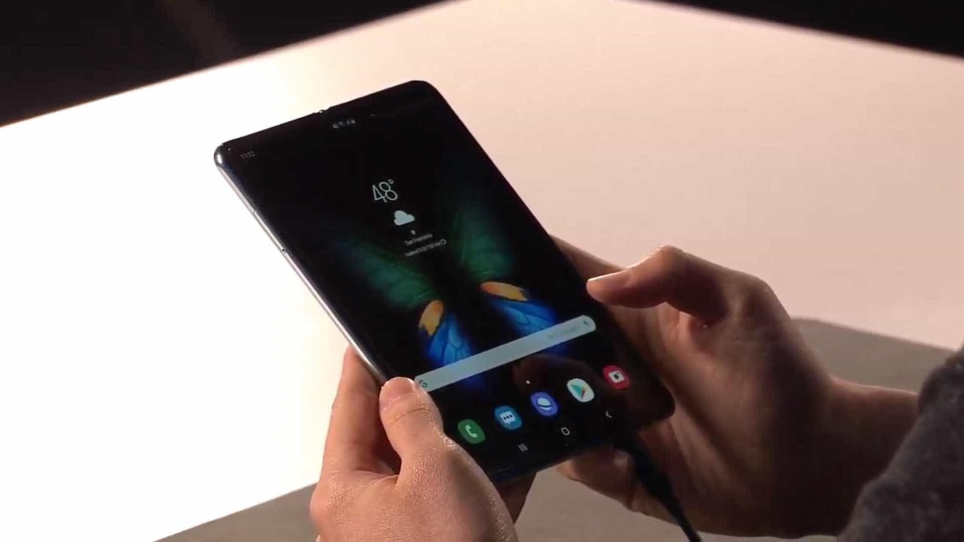 Samsung confirma smartphone dobrável para setembro
