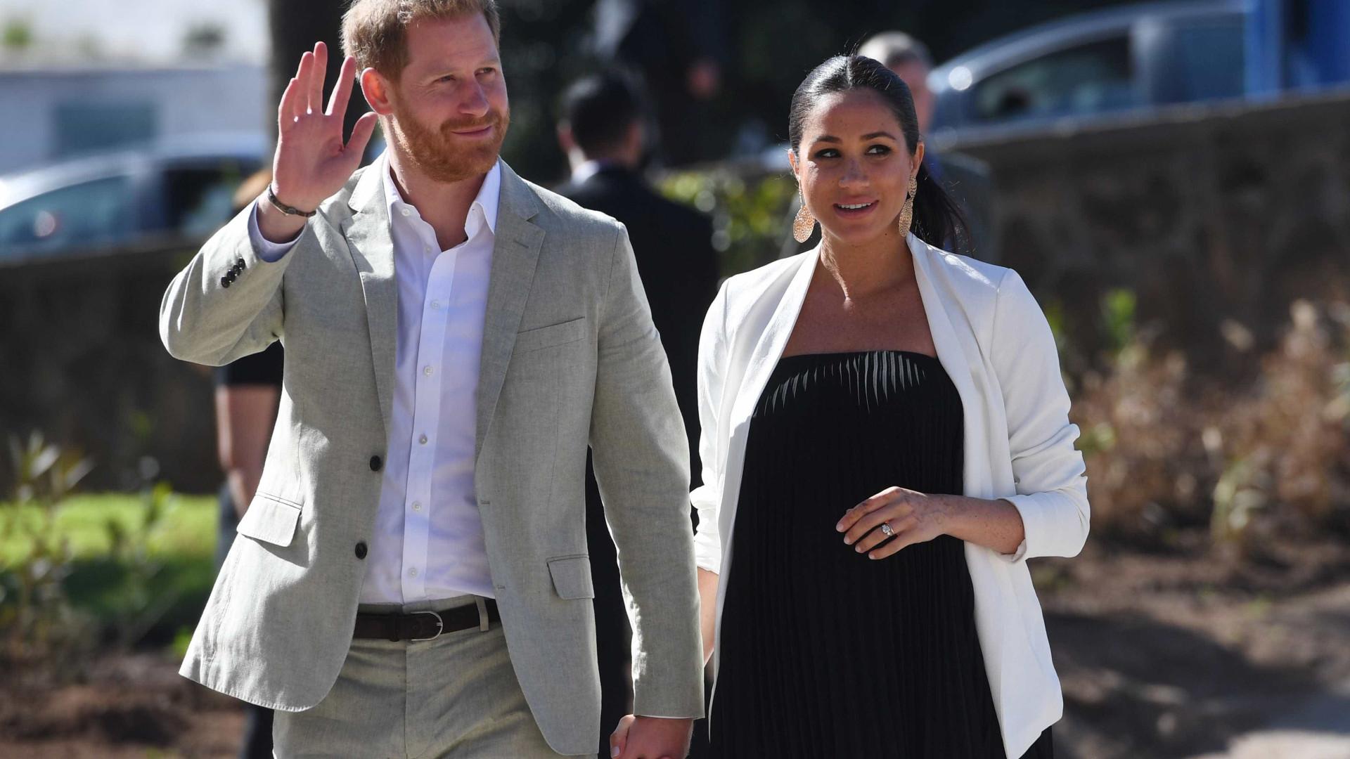 Meghan Markle e príncipe Harry esperam por um menino, diz site