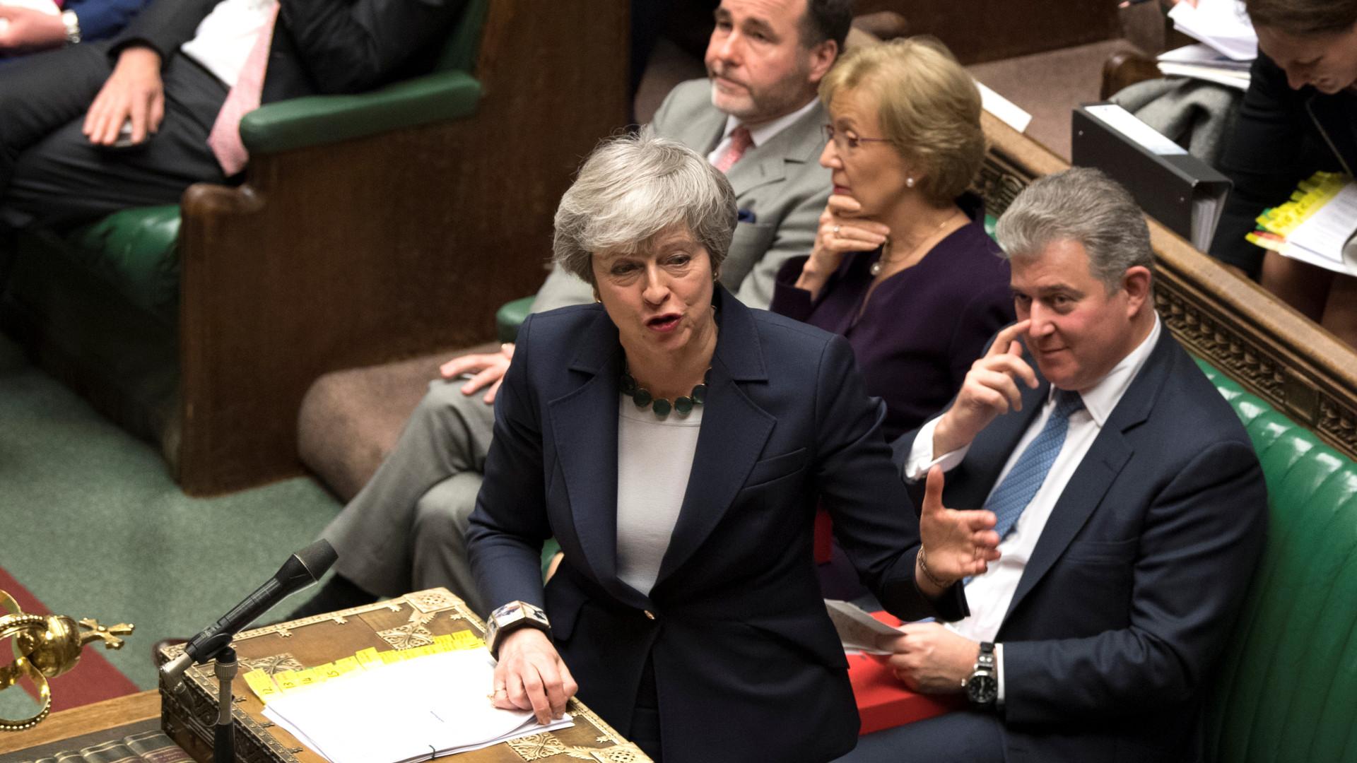 Parlamento britânico veta qualquer brexit sem acordo com a Europa