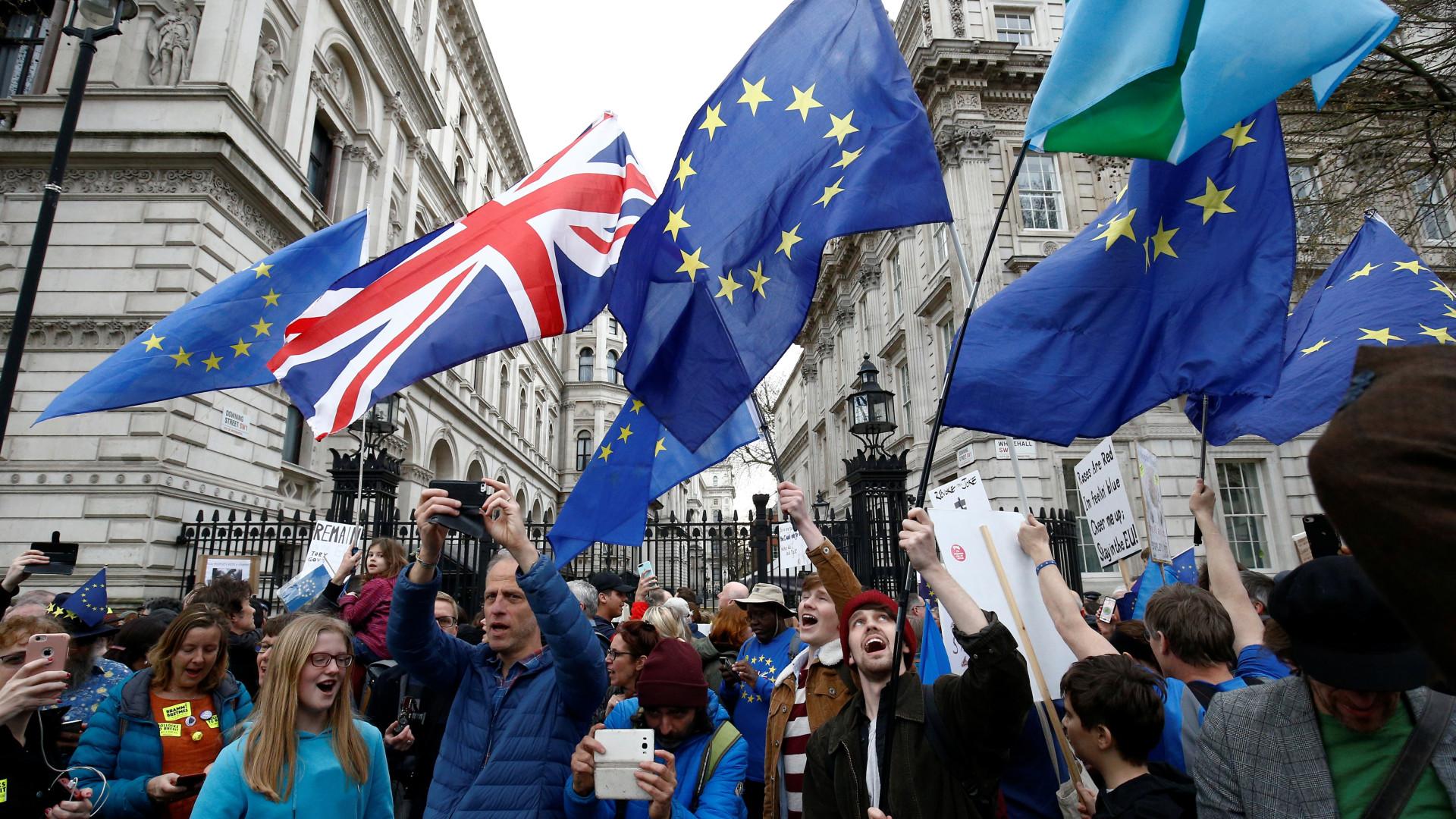 Brexit: governo britânico se reúne hoje para decidir caminho a seguir