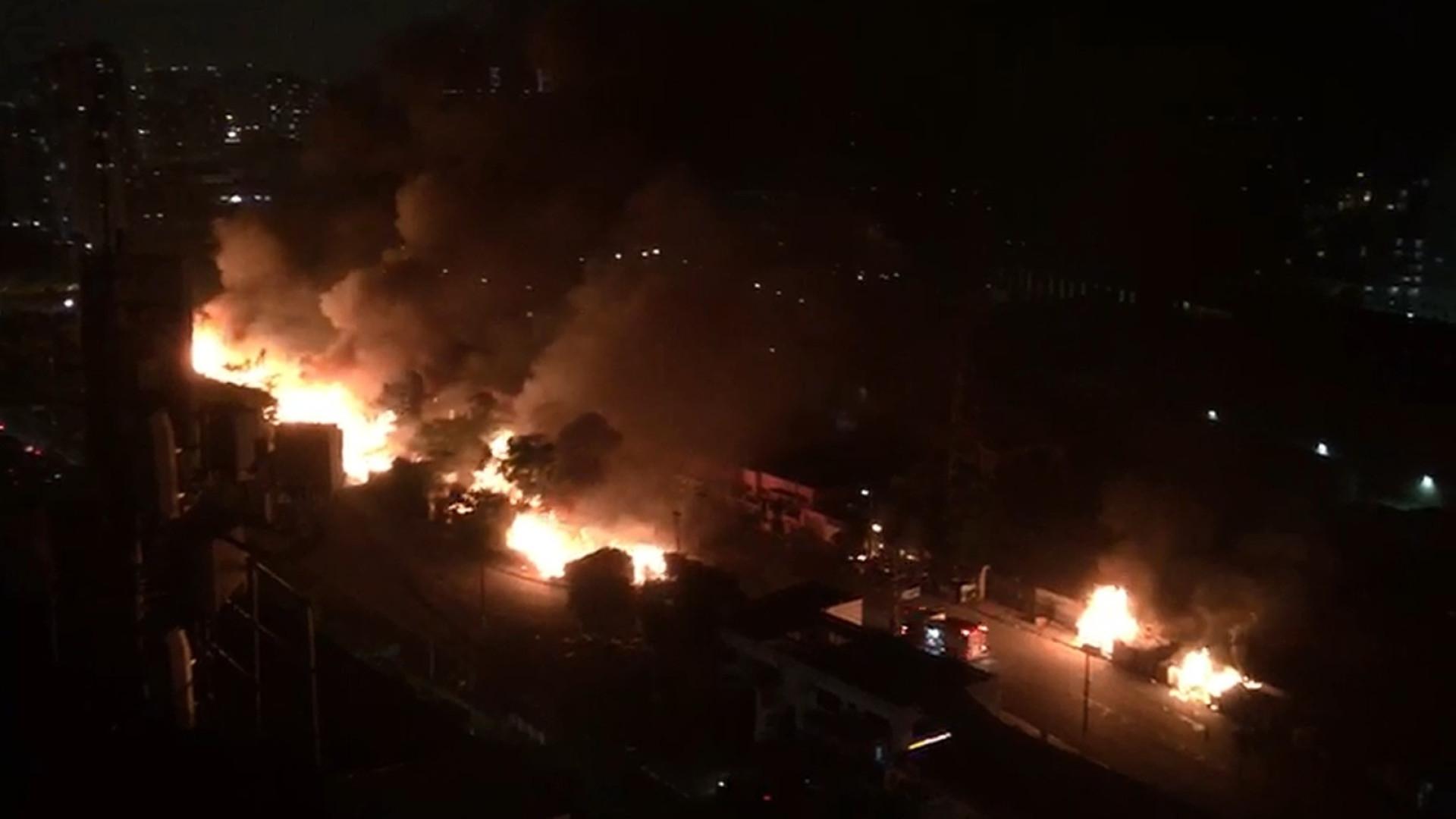Polícia prende homem suspeito de incendiar favela na zona leste de SP