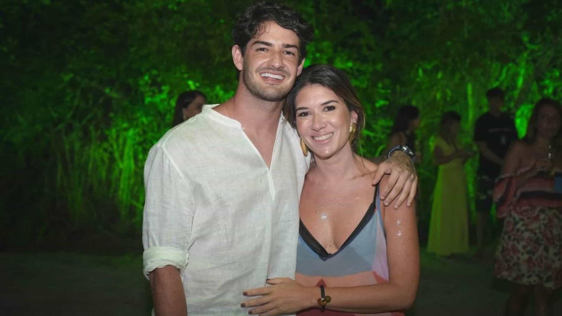 Pato e Rebeca Abravanel se casam em segredo com cerimônia fechada