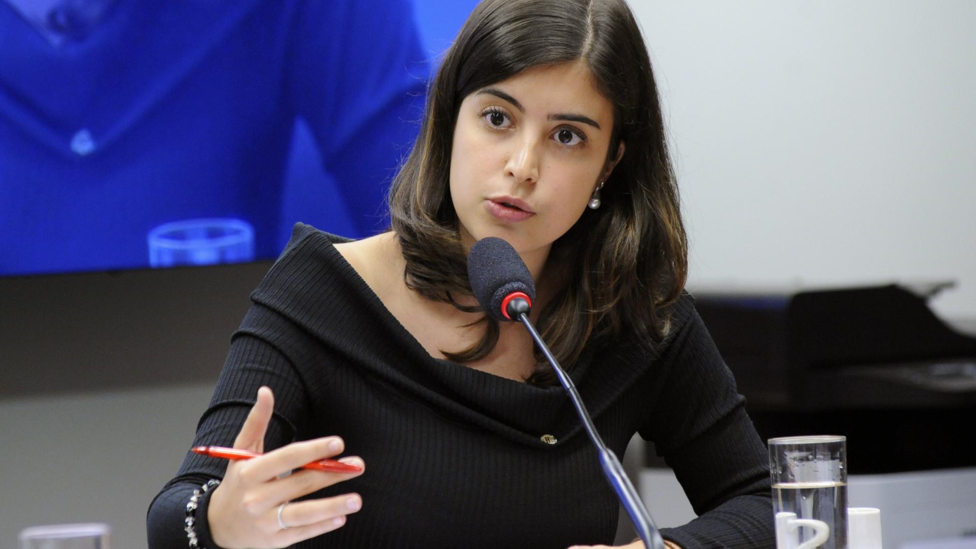 Saiba quem é a deputada que viralizou ao dar uma lição em Ricardo Vélez