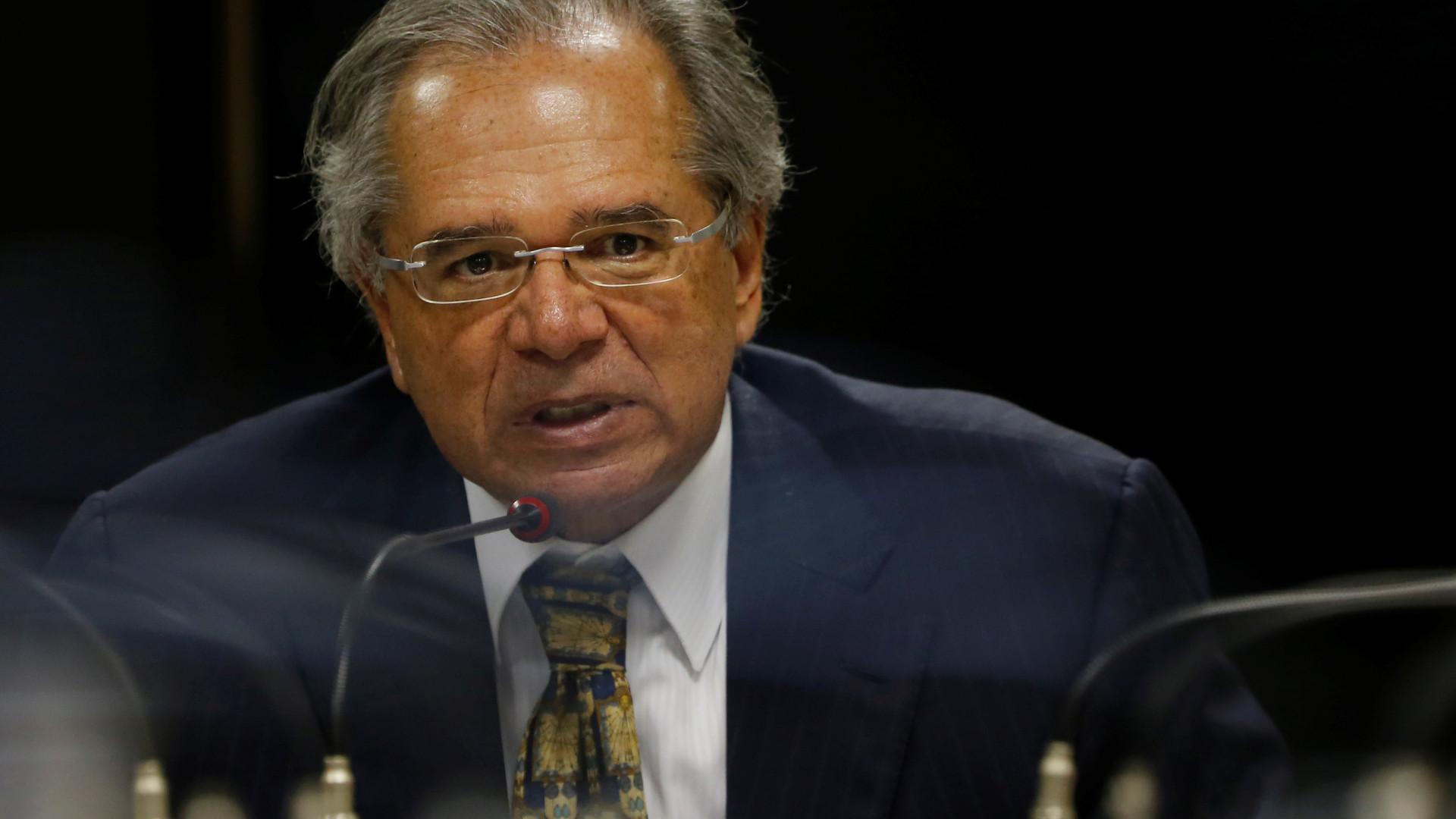 Guedes promete apoio à tramitação da PEC da regra de ouro