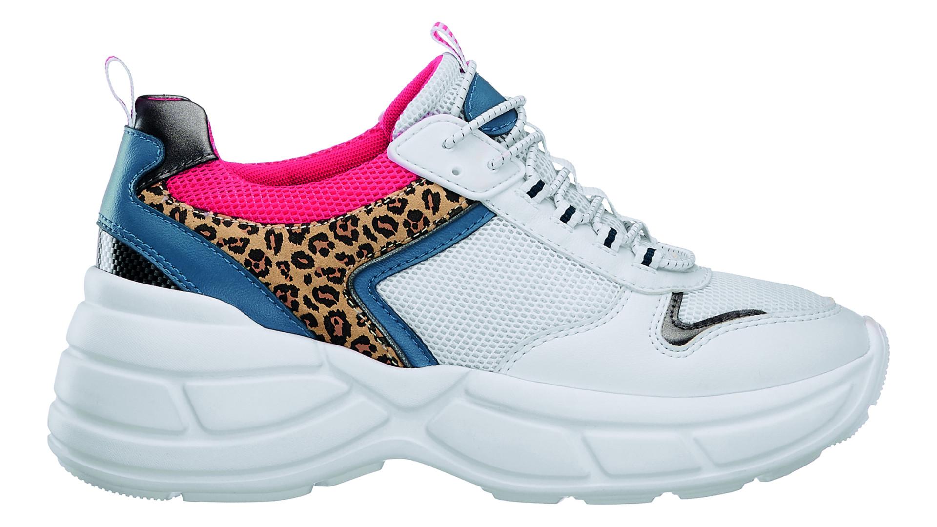 Olá, anos 90! Os chunky sneakers das Spice Girls estão de volta