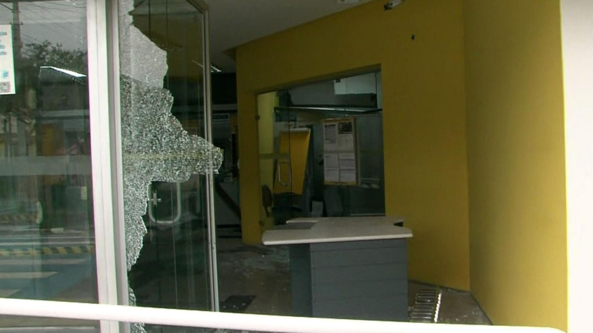 Tiroteio após ataque a bancos deixa 11 mortos na Grande SP