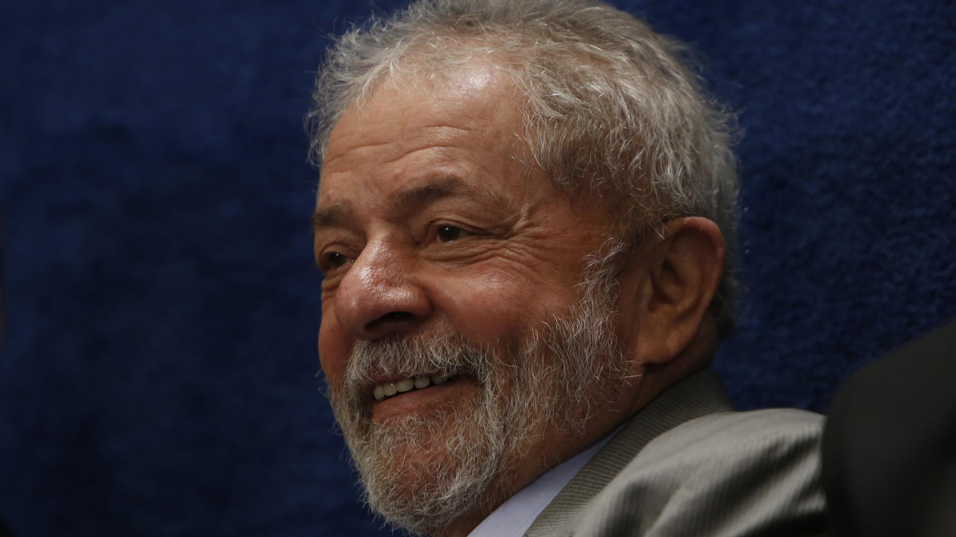 Lula está apaixonado e pretende se casar, afirma ex-ministro