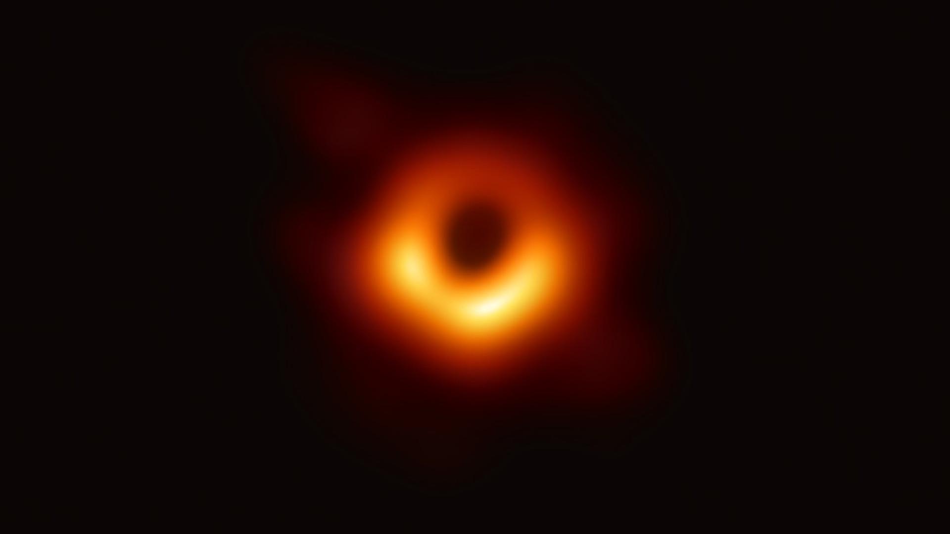 Primeira imagem de buraco negro vale a cientistas prêmio de milhões