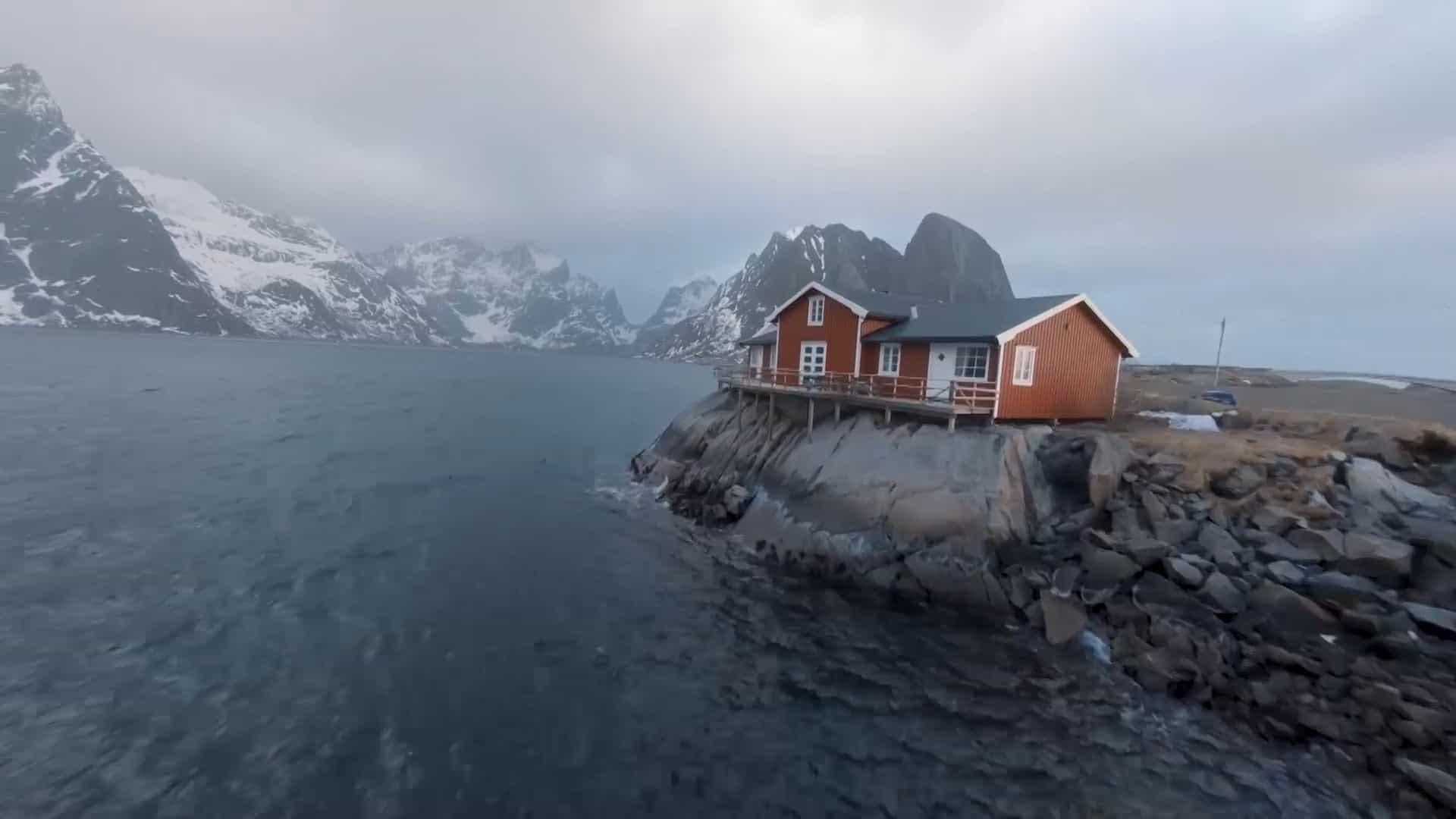 Drone filma a beleza das montanhas da Noruega