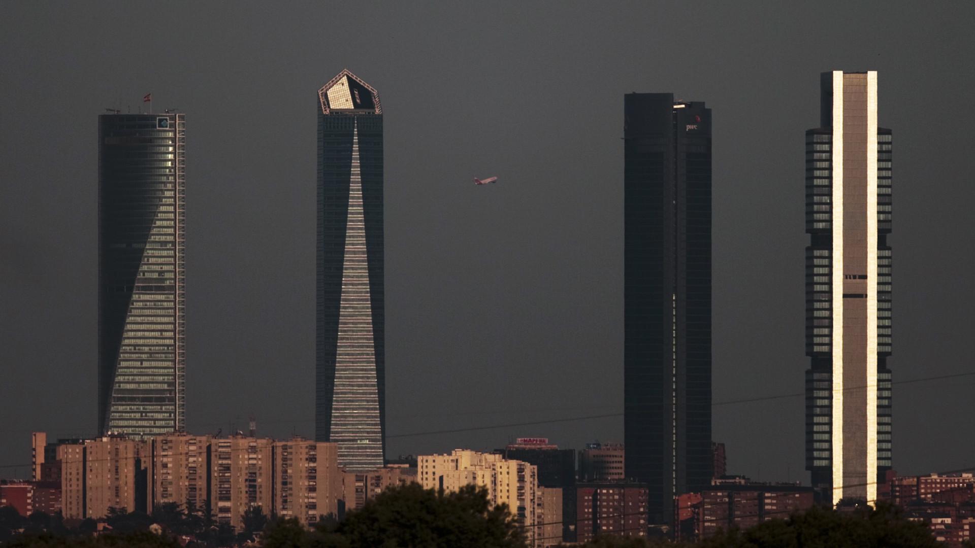 Torre Espacio em Madrid é evacuada após ameaça de bomba