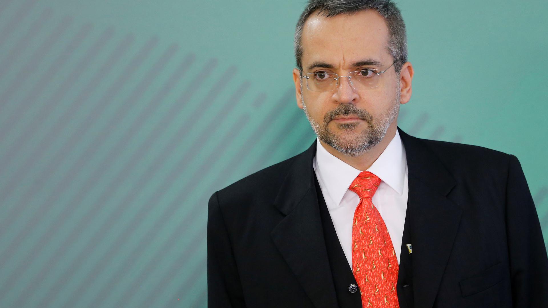 Weintraub pode esperar até um mês por aprovação no Banco Mundial
