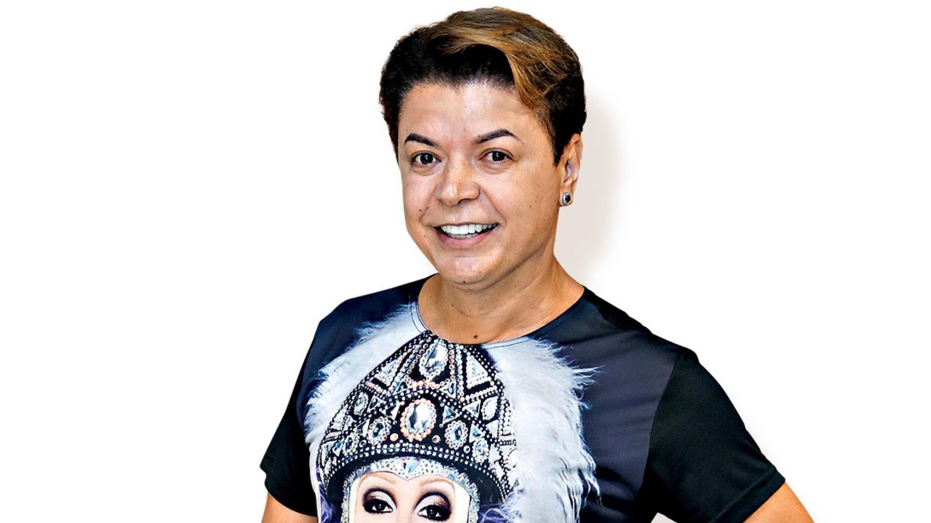 "Após polêmica na web, carro de David Brazil é riscado: ""Racista"""