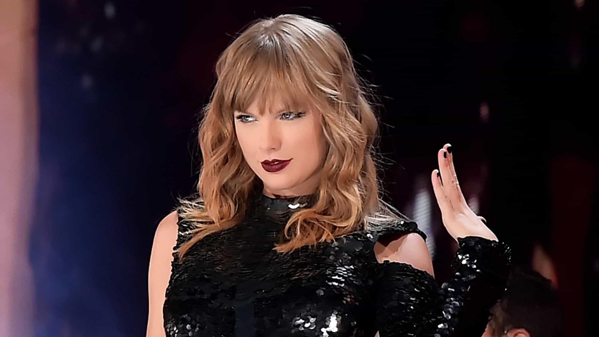 """Taylor Swift quer incentivar fãs a terem uma """"voz"""" na política"""
