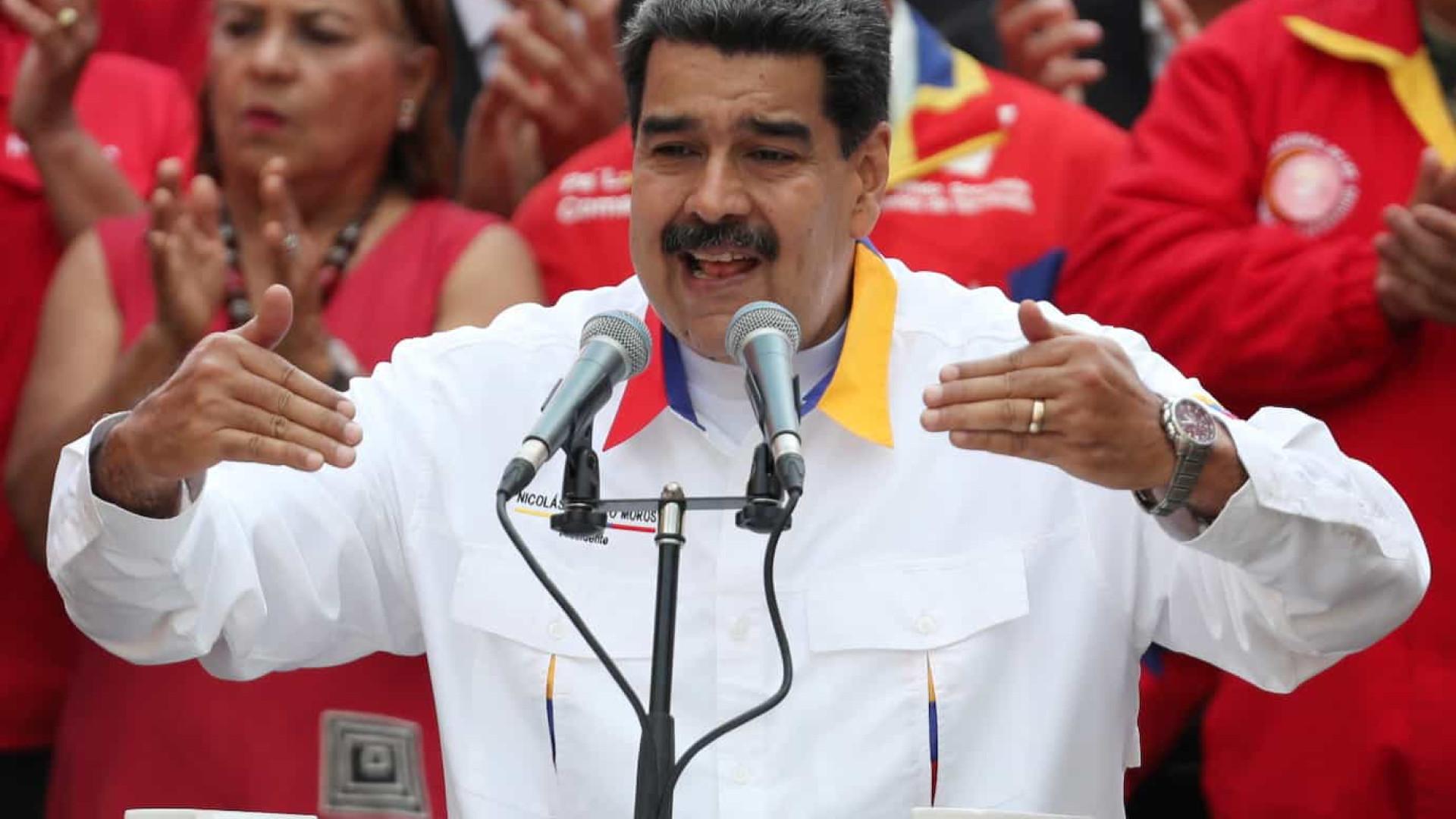 Nicolás Maduro denuncia sabotagem de barcos com gasolina e alimentos