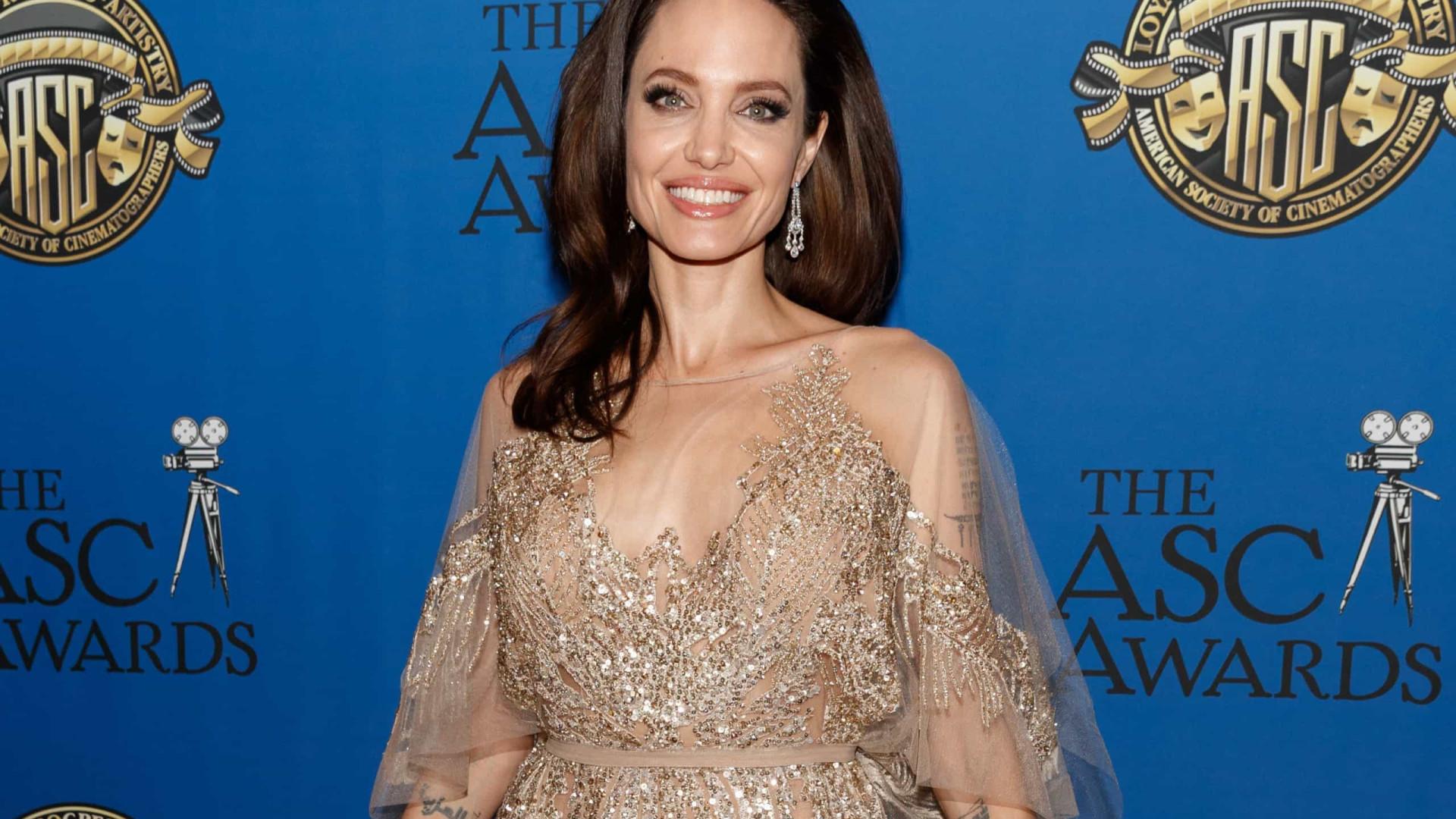 Angelina Jolie: de jovem rebelde à mais nova heroína da Marvel!