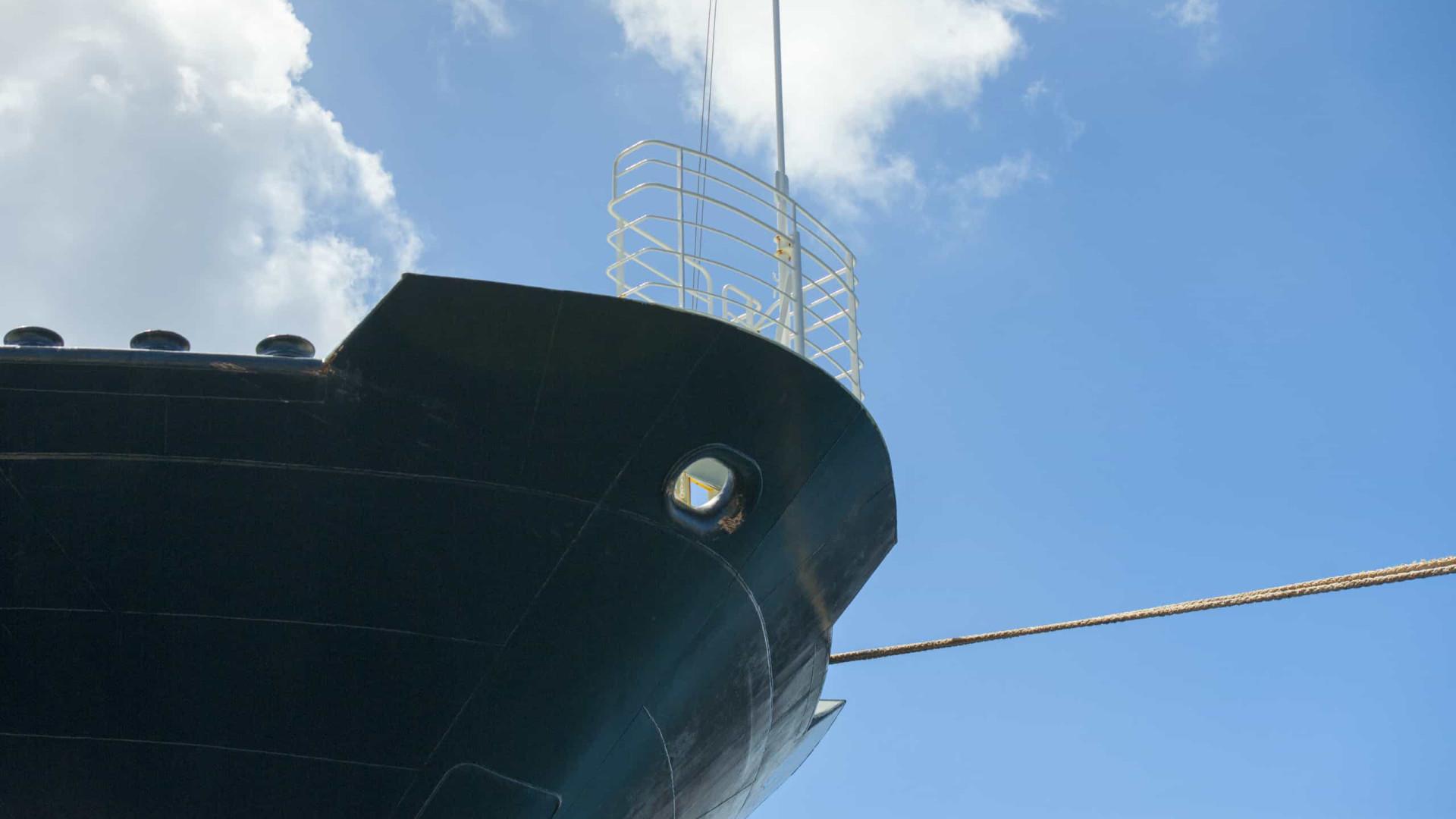 Três pessoas morrem por inalação de gás em navio na costa espanhola