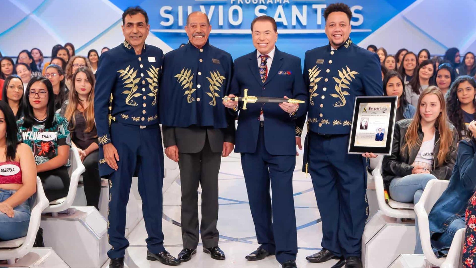 Silvio Santos recebe título de Imortal da Academia William Shakespeare